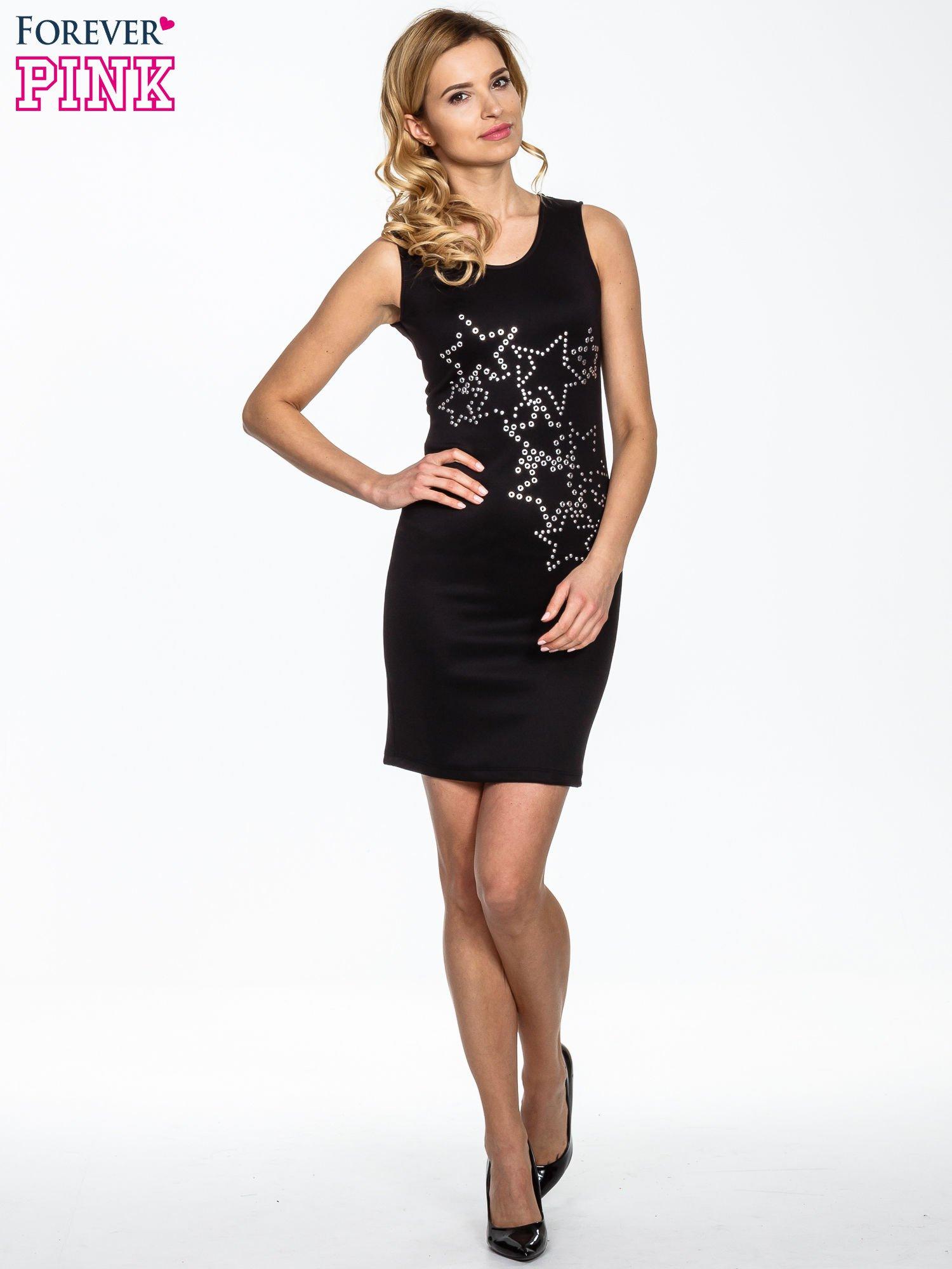 Czarna dopasowana sukienka z wzorem gwiazd                                  zdj.                                  4