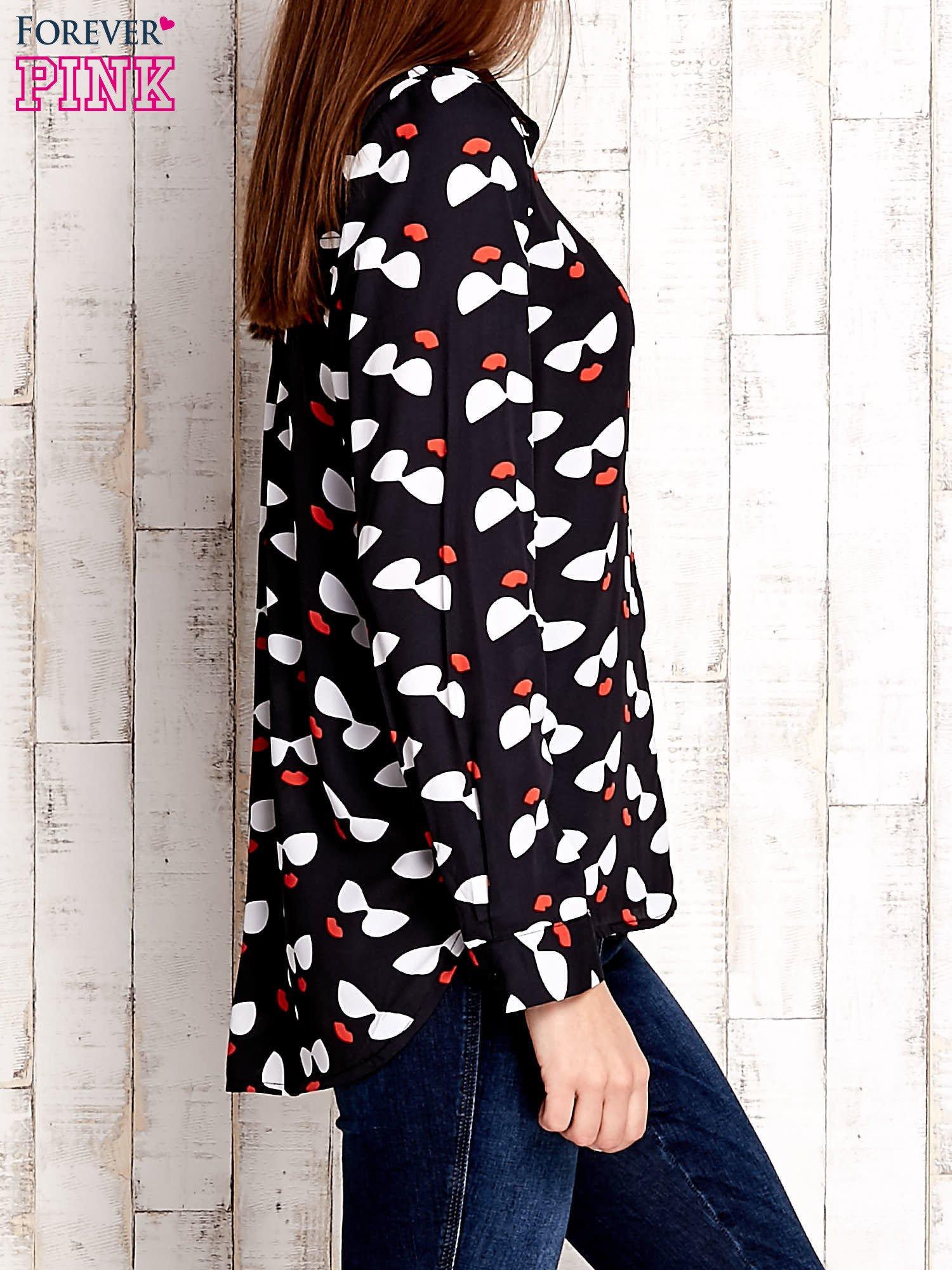 Czarna koszula z kobiecym nadrukiem                                  zdj.                                  3