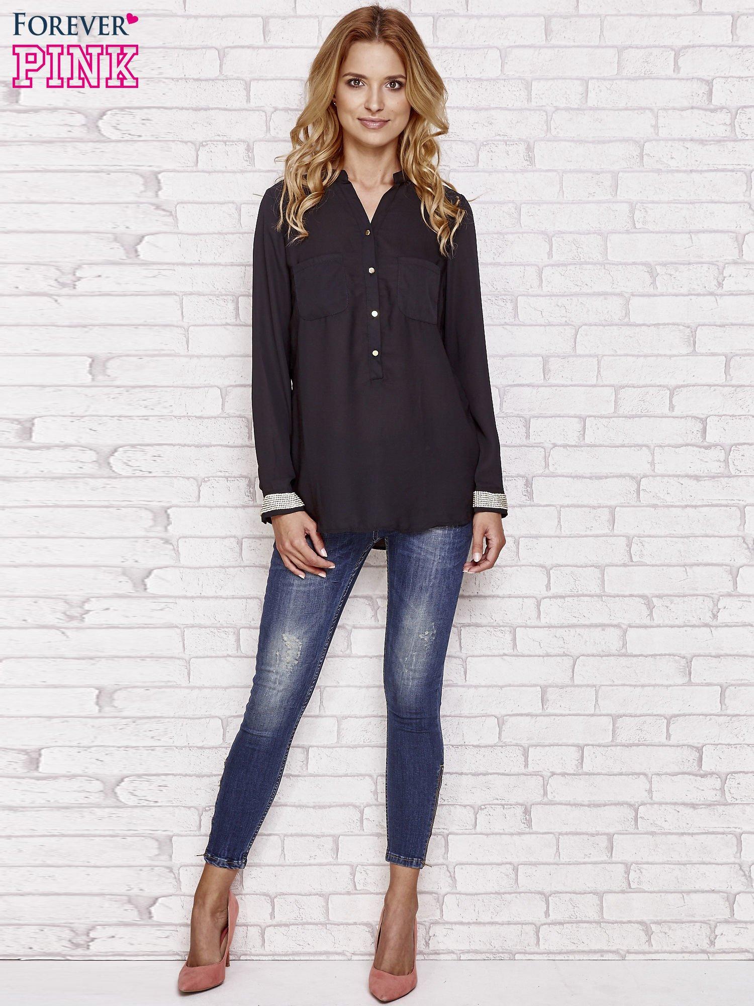 Czarna koszula z mankietem z cyrkonii                                  zdj.                                  4