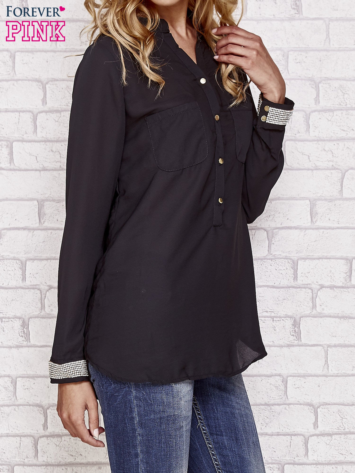 Czarna koszula z mankietem z cyrkonii                                  zdj.                                  3