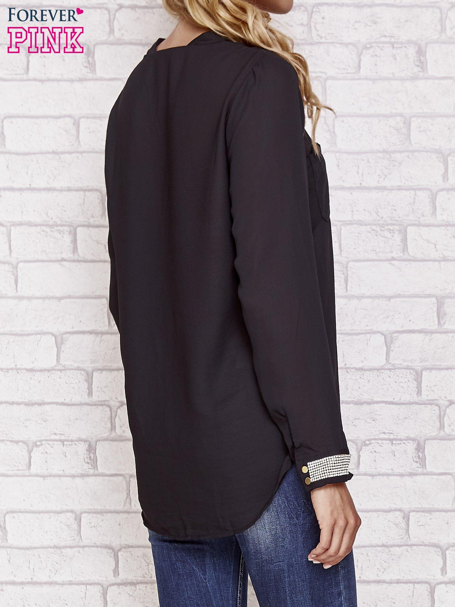 Czarna koszula z mankietem z cyrkonii                                  zdj.                                  2