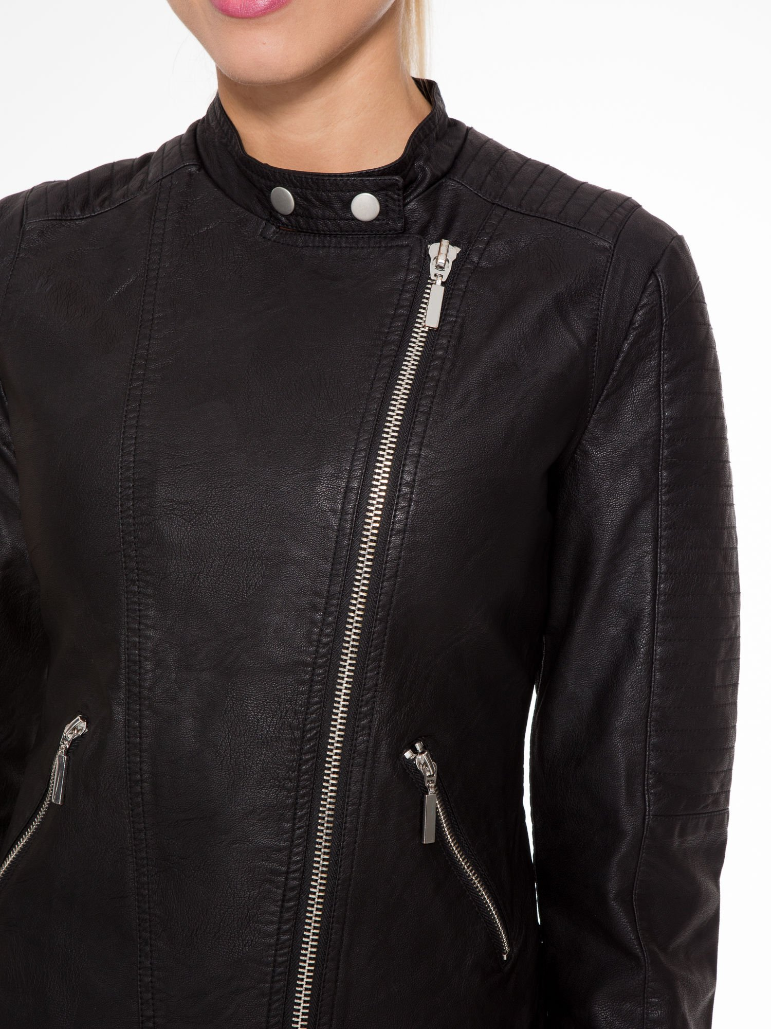 Czarna kurtka biker z przeszyciami na ramionach                                  zdj.                                  5