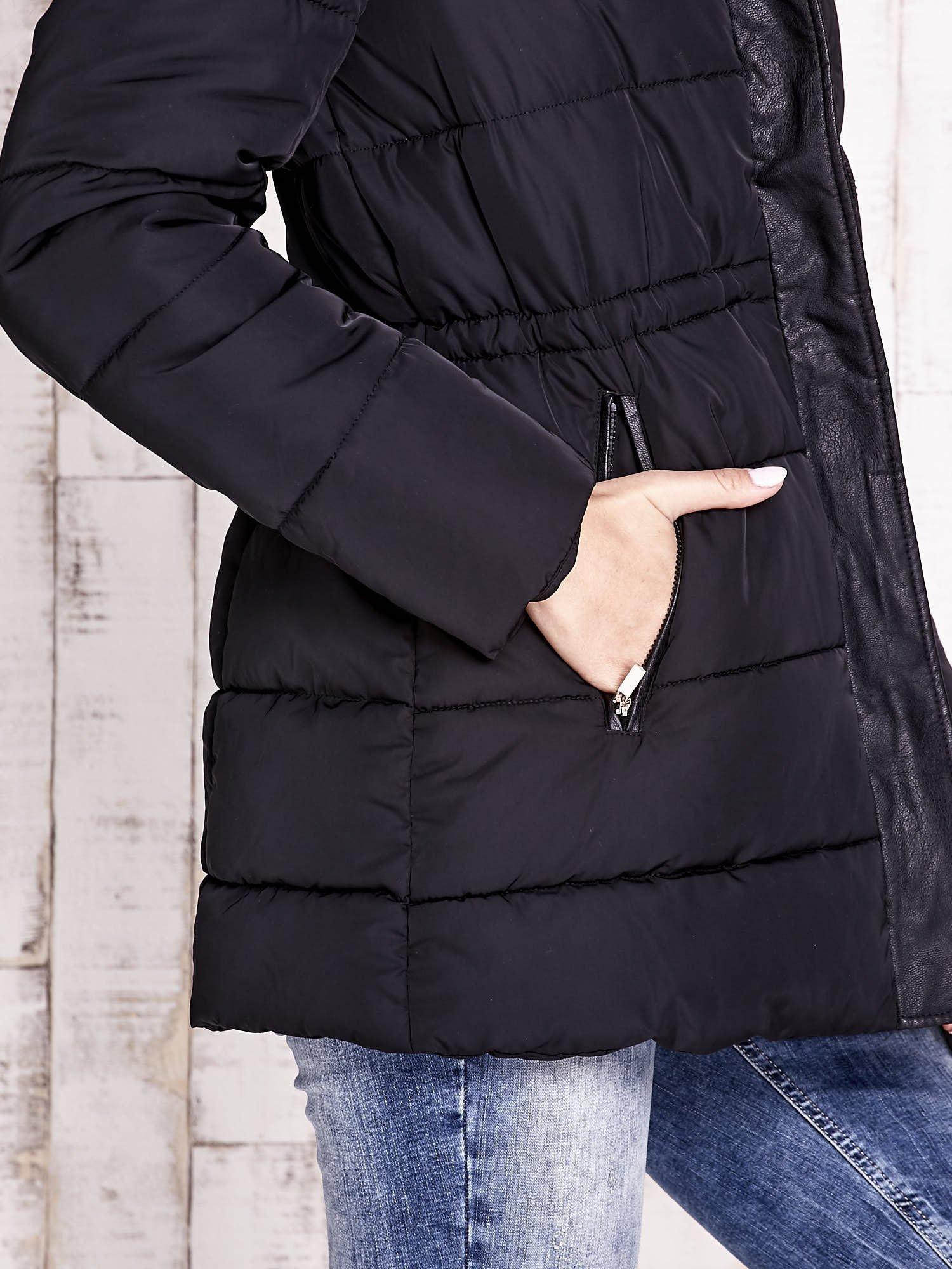 Czarna kurtka puchowa ze skórzanymi wstawkami                                  zdj.                                  8