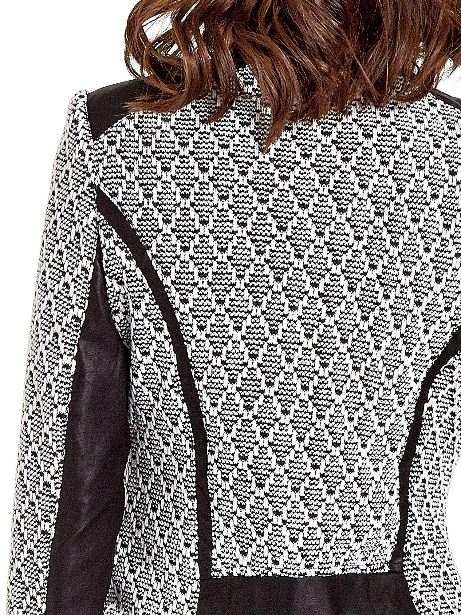 Czarna kurtka w geometryczne wzory ze skórzanymi wstawkami i kieszeniami                                  zdj.                                  6