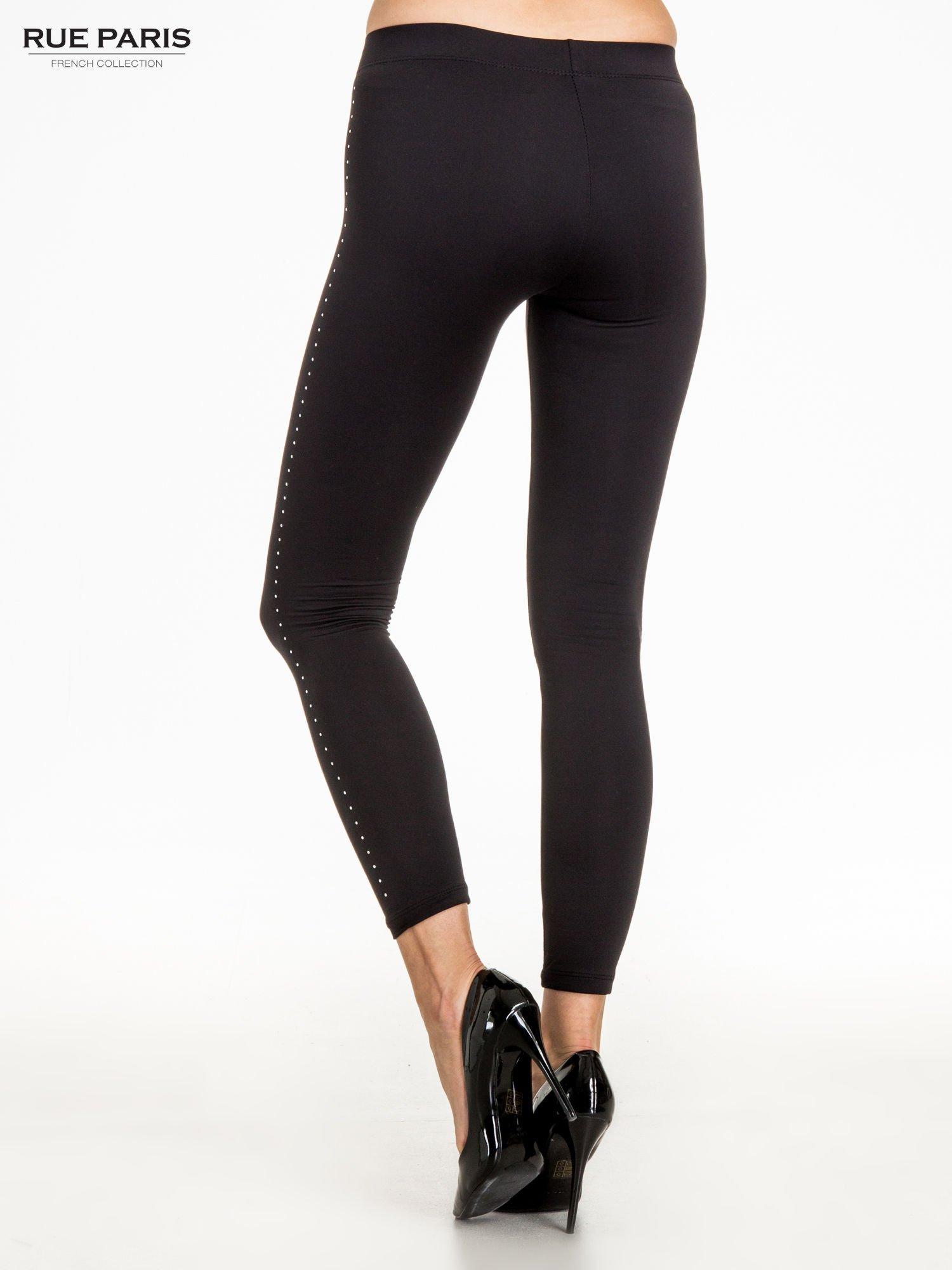 Czarna legginsy z dżetami wzdłuż nogawki                                  zdj.                                  4