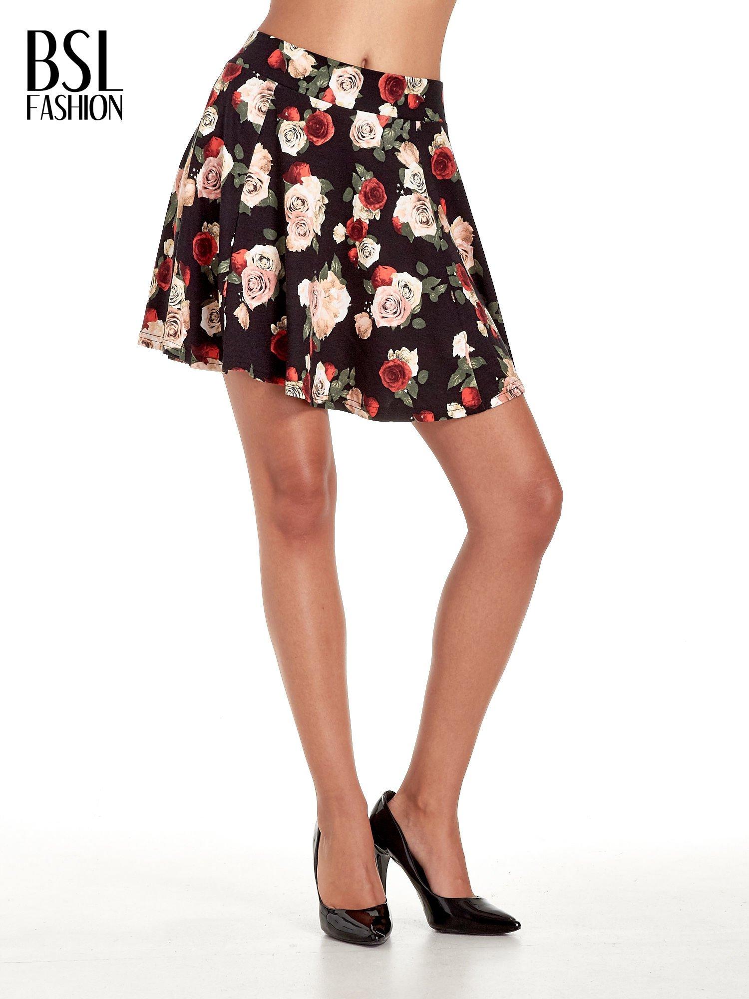 Czarna mini spódnica skater w kwiaty                                  zdj.                                  1