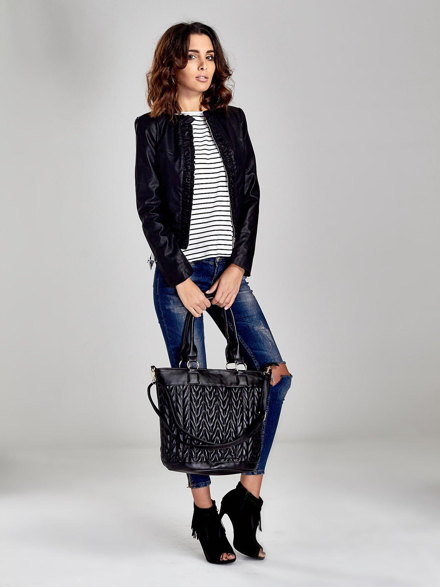 Czarna pikowana torba na ramię                                  zdj.                                  2