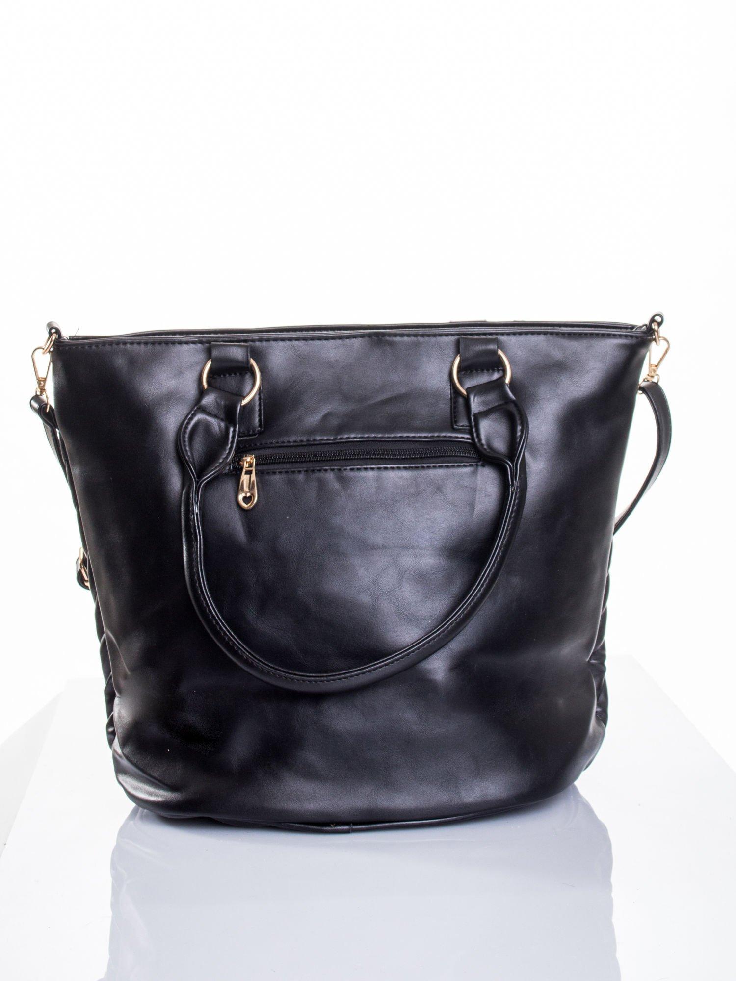 Czarna pikowana torba na ramię                                  zdj.                                  3