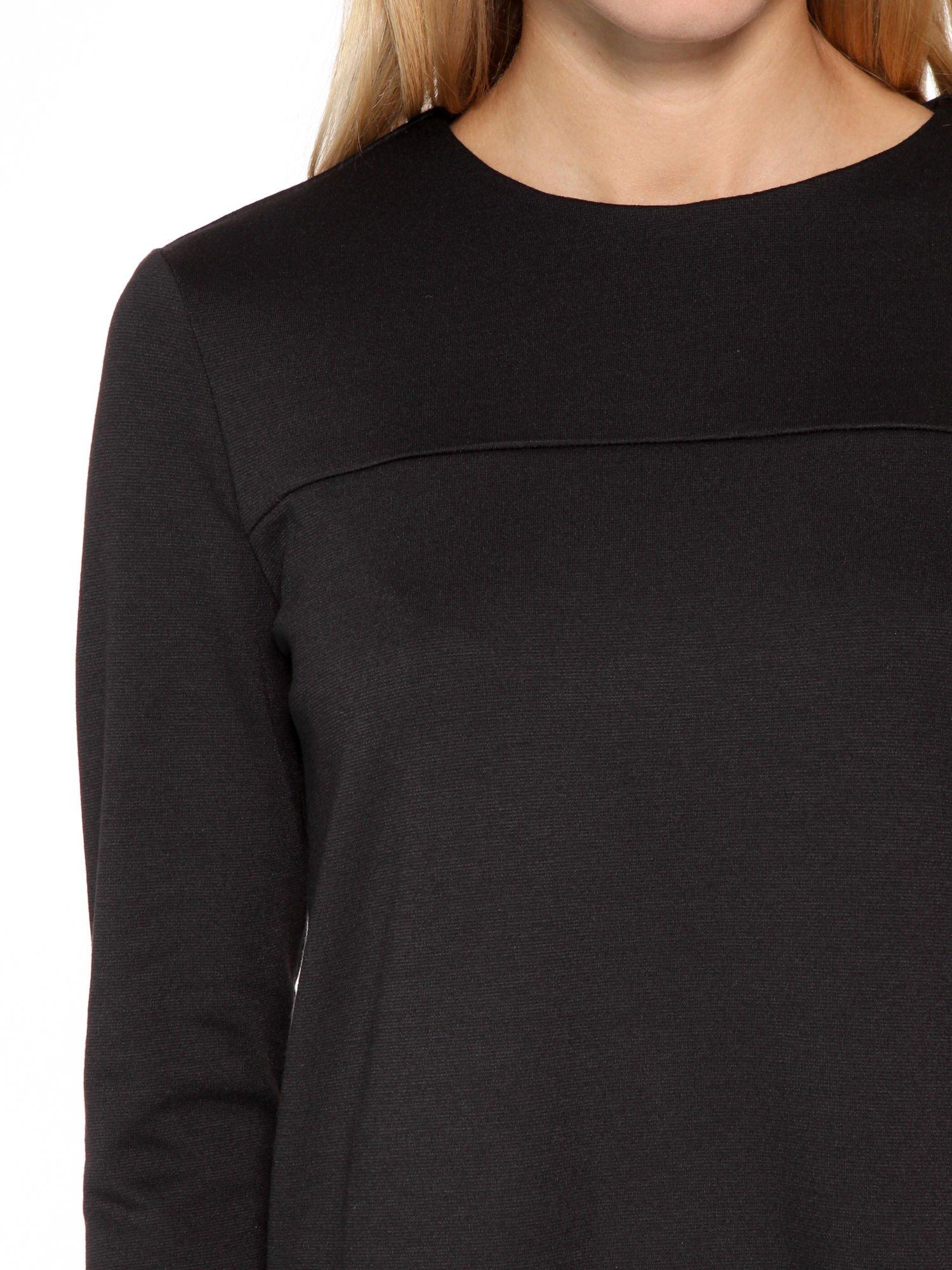 Czarna prosta sukienka z rękawami 3/4                                  zdj.                                  6