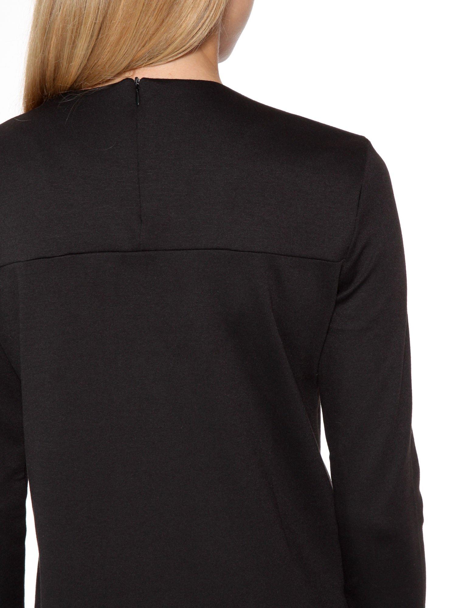 Czarna prosta sukienka z rękawami 3/4                                  zdj.                                  9