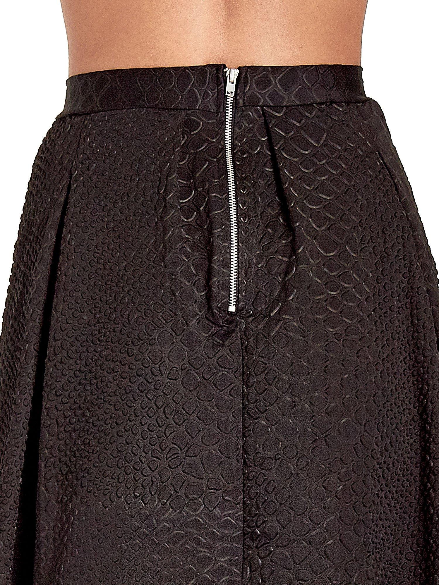 Czarna spódnica midi z kontrafałdami we wzór skóry węża                                  zdj.                                  7
