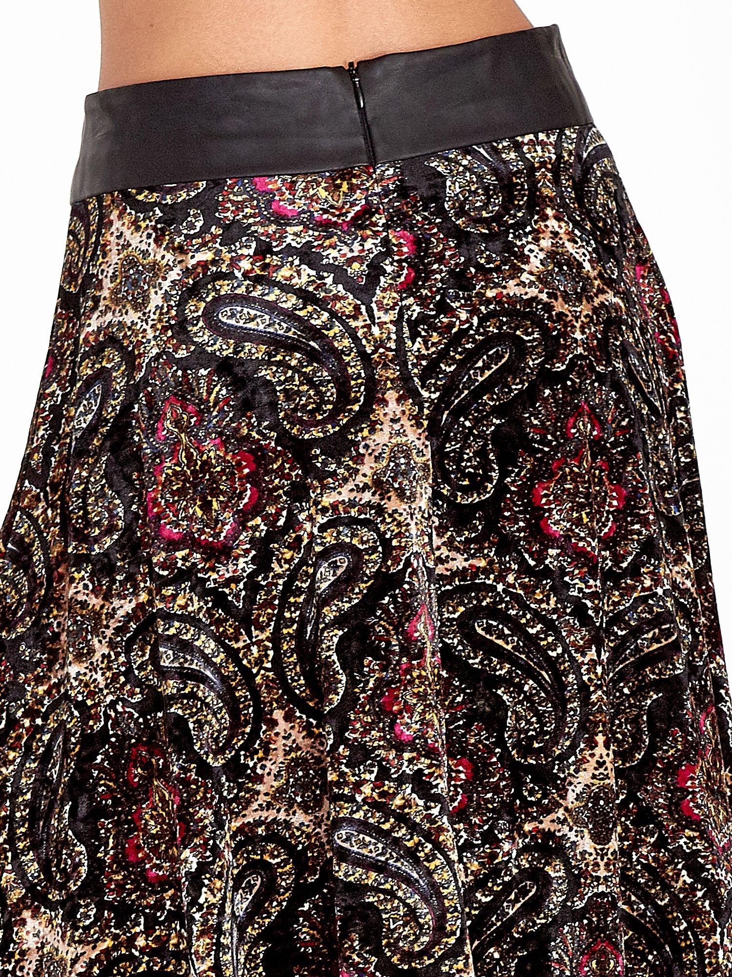 Czarna spódnica midi z nadrukiem ornamentowym                                  zdj.                                  6