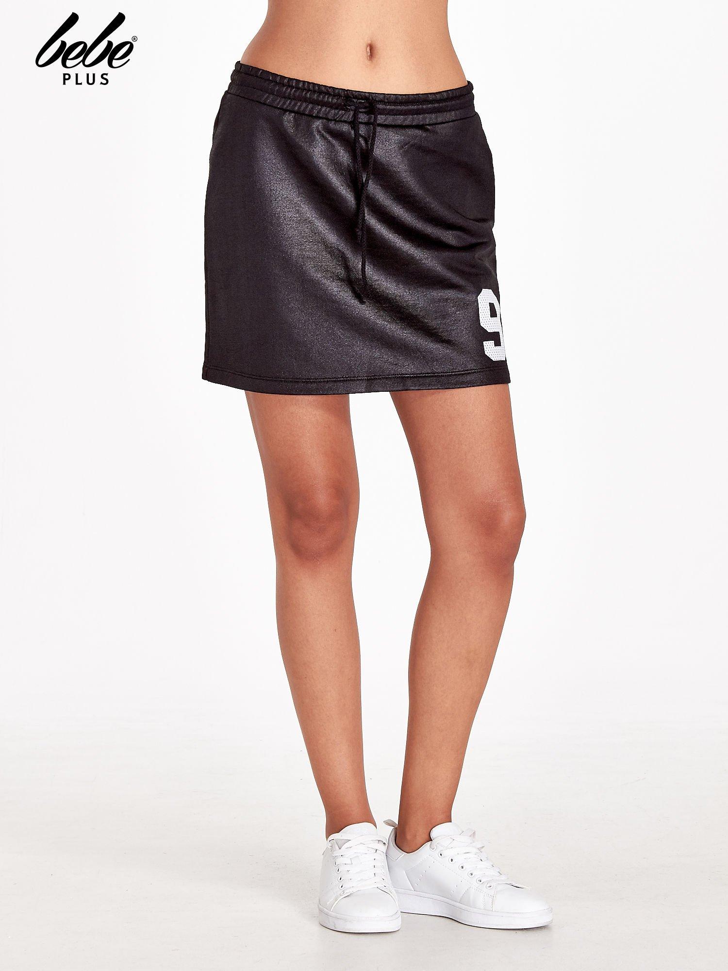 Czarna spódnica w stylu baseballowym                                  zdj.                                  1