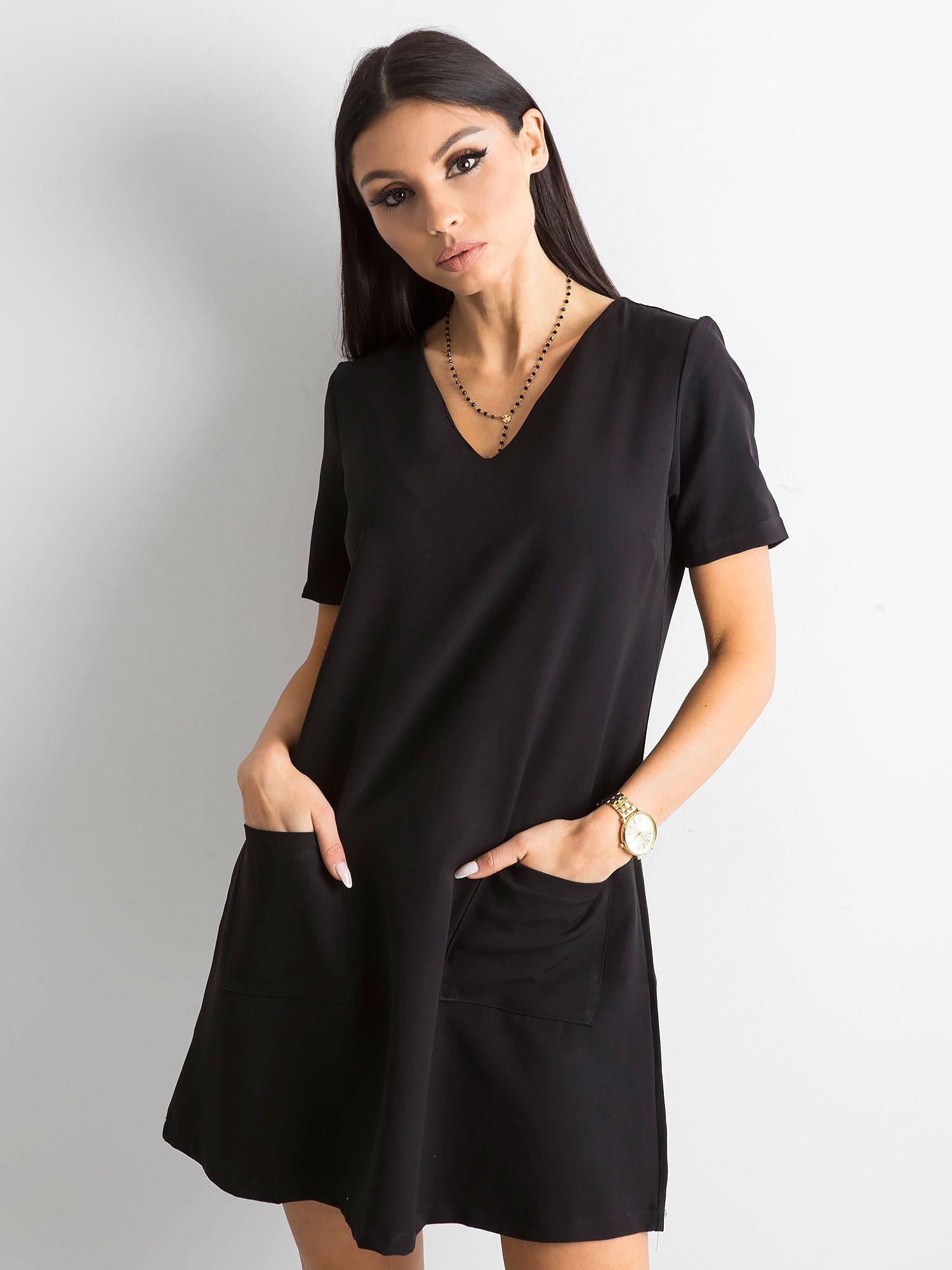 d15514db54 Czarna sukienka damska z kieszeniami - Sukienka koktajlowa - sklep ...