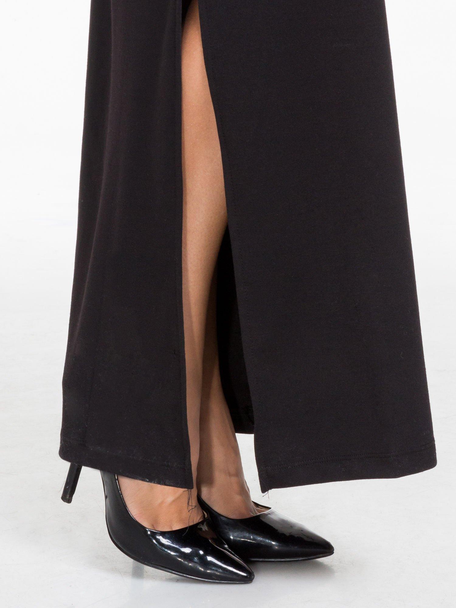 Czarna sukienka maxi  z dekoltem na plecach                                  zdj.                                  7