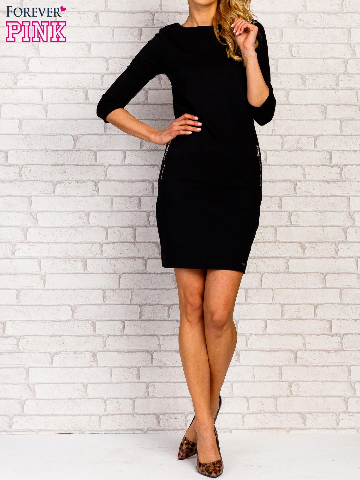 Czarna sukienka z kieszeniami na suwak                                  zdj.                                  5
