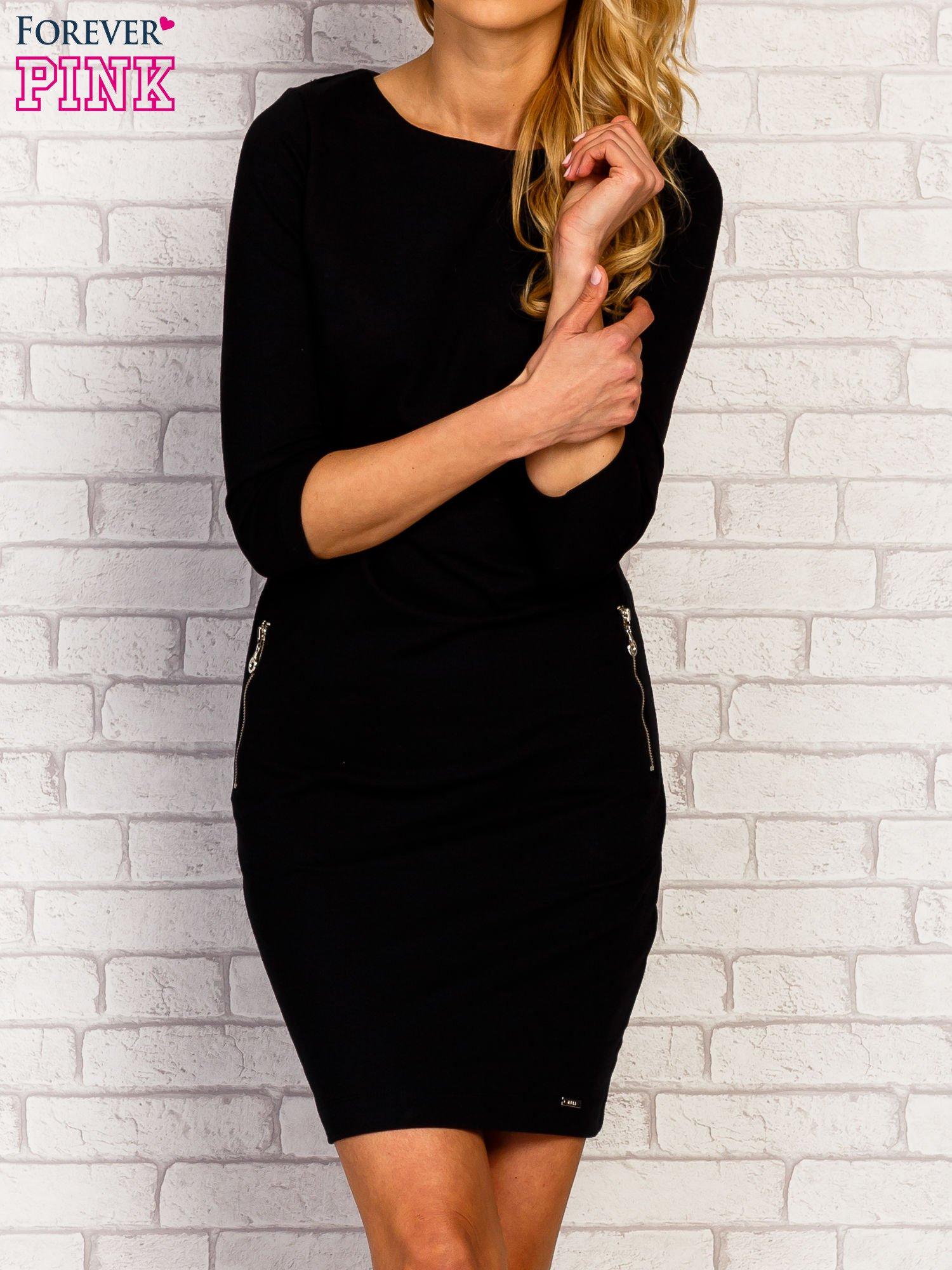 Czarna sukienka z kieszeniami na suwak                                  zdj.                                  1