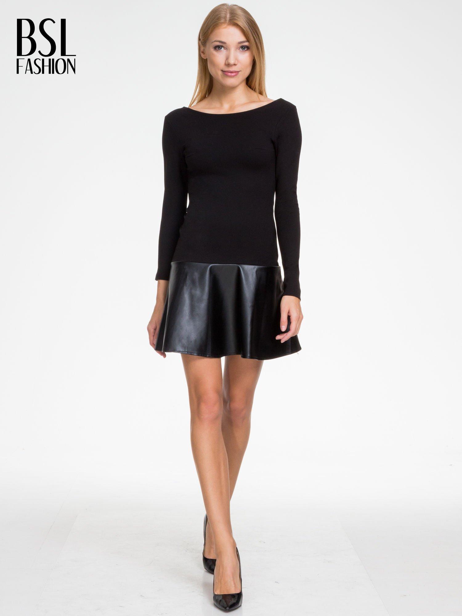 Czarna sukienka z rozkloszowanym dołem ze skóry                                  zdj.                                  4