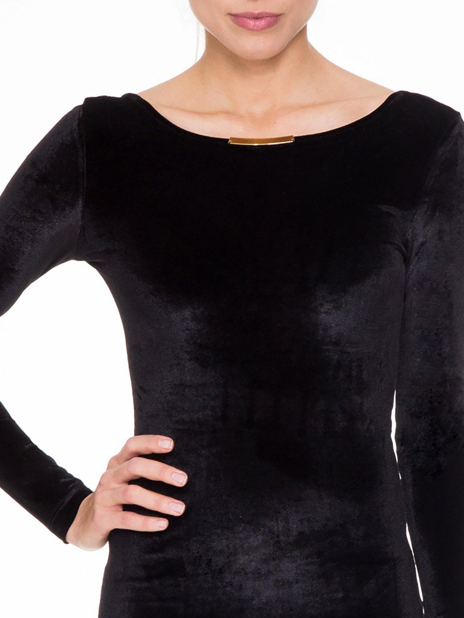 Czarna sukienka z welwetu z dekoltem open back                                  zdj.                                  5