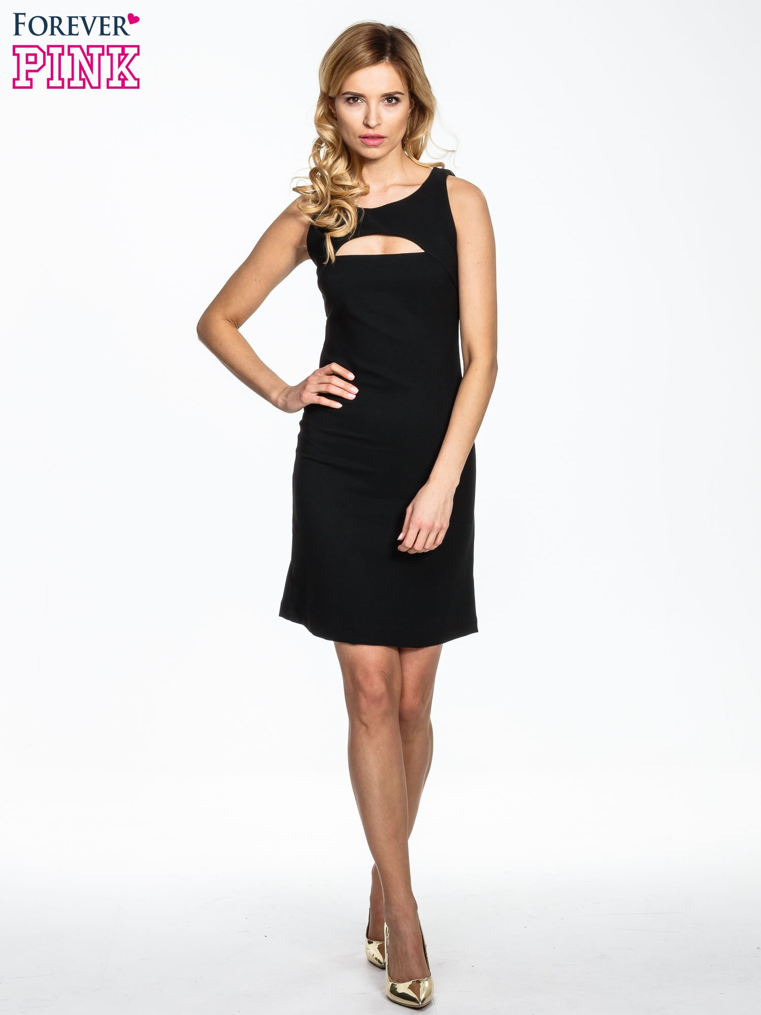 Czarna sukienka z wycięciem na dekolcie                                  zdj.                                  2