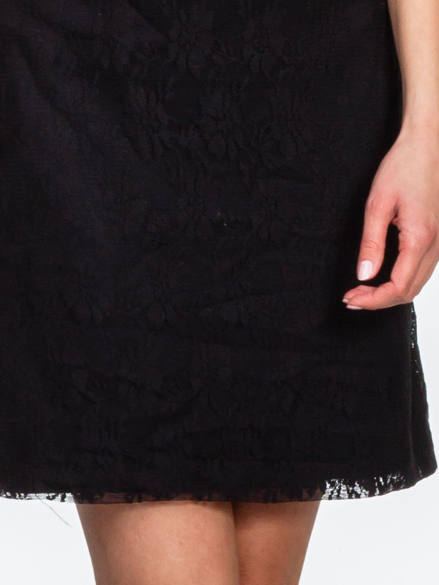 Czarna sukienka ze skórzanym i koronkowym wykończeniem                                  zdj.                                  6
