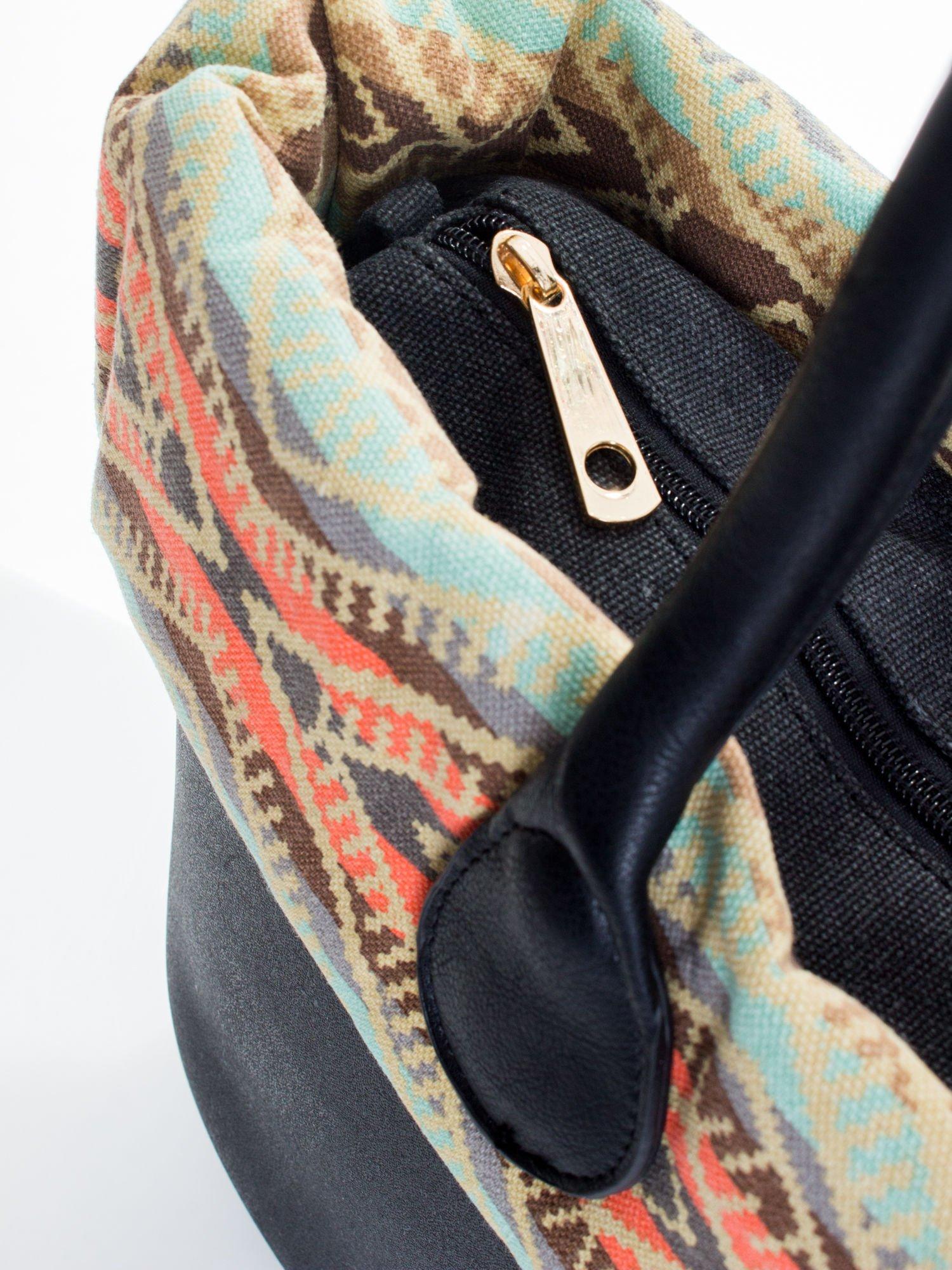 Czarna torba gumowa z motywem azteckim                                  zdj.                                  4