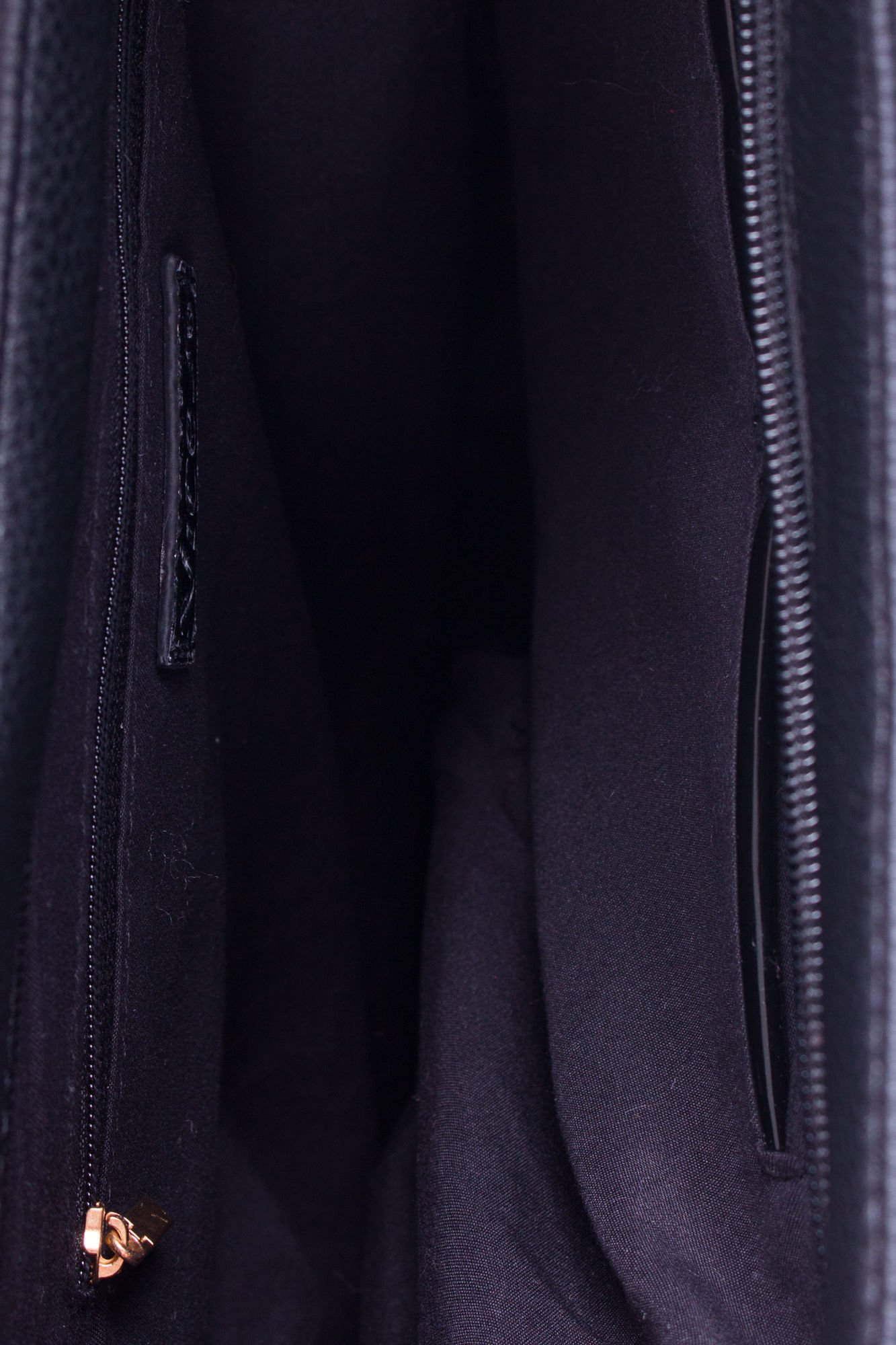 Czarna torba hobo ze złotym łańcuchem i chwostem                                  zdj.                                  4