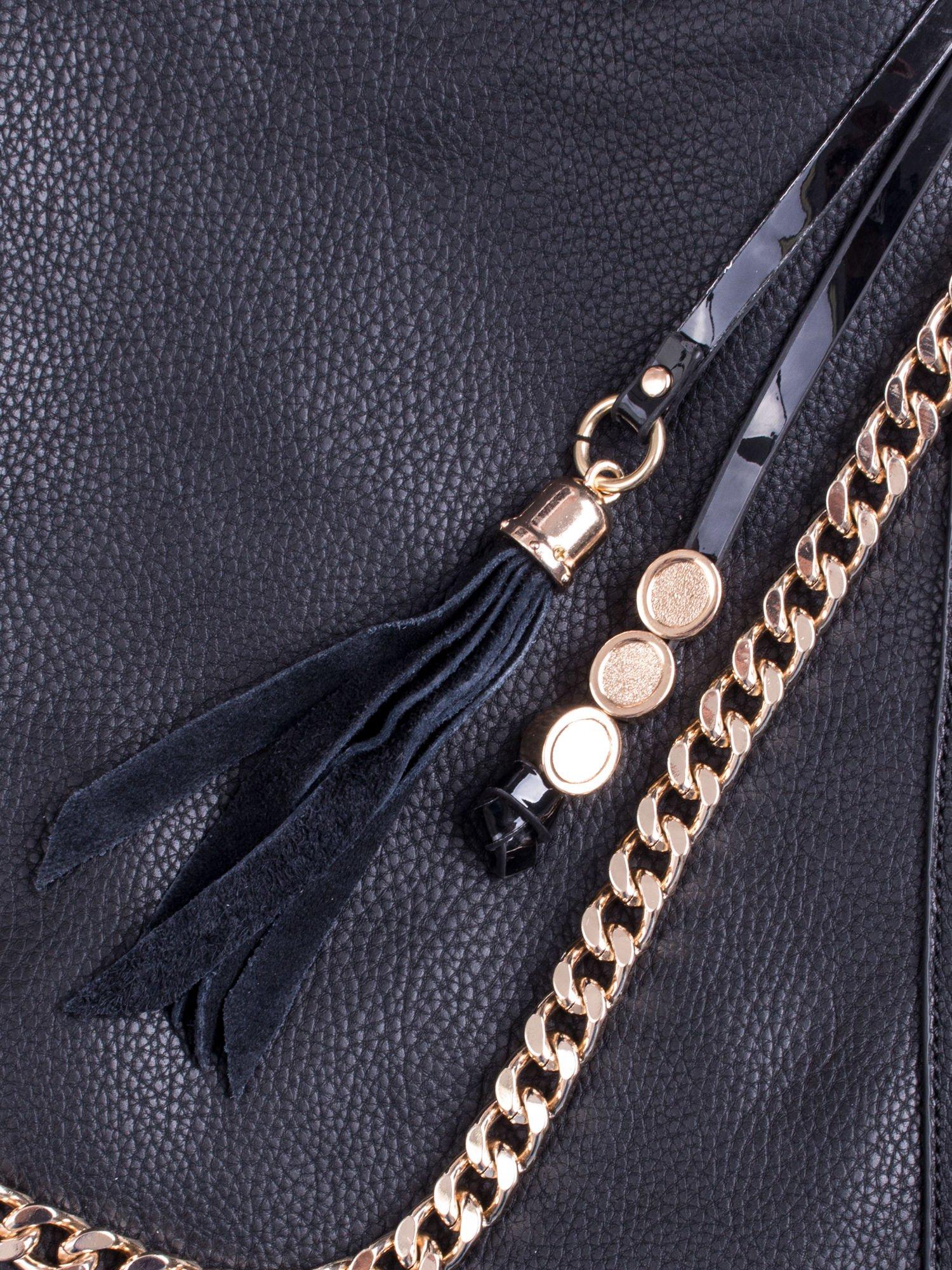 Czarna torba hobo ze złotym łańcuchem i chwostem                                  zdj.                                  5
