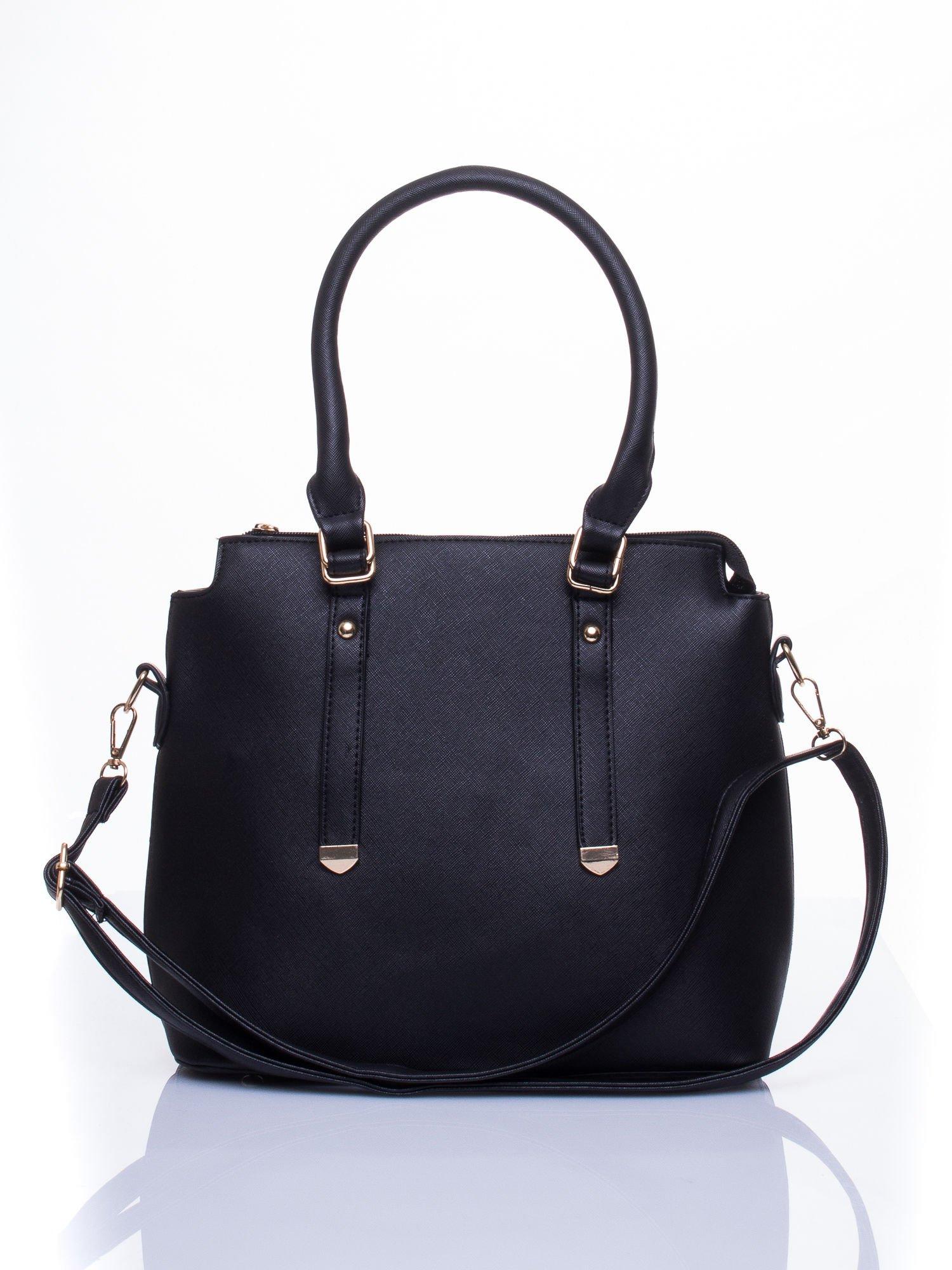 Czarna torba na ramię z ozdobnymi detalami                                   zdj.                                  2