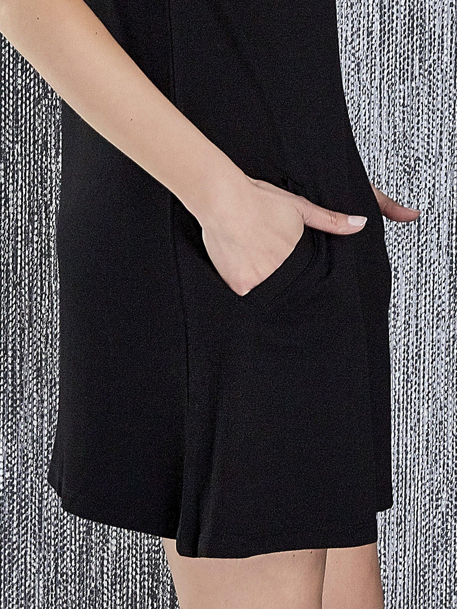 Czarna trapezowa sukienka z kieszeniami                                  zdj.                                  7