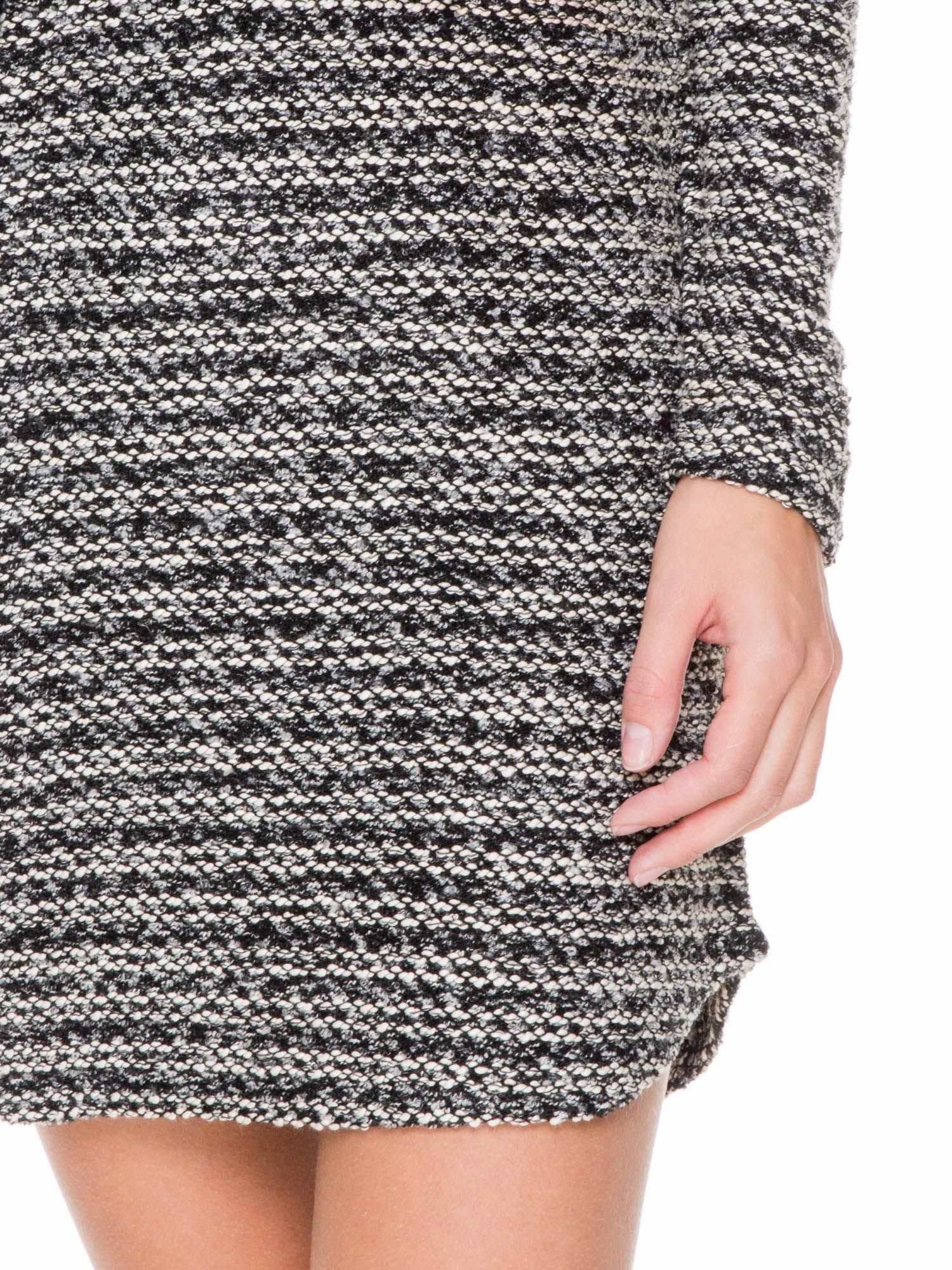 Czarna tweedowa sukienka w stylu Chanel                                  zdj.                                  7