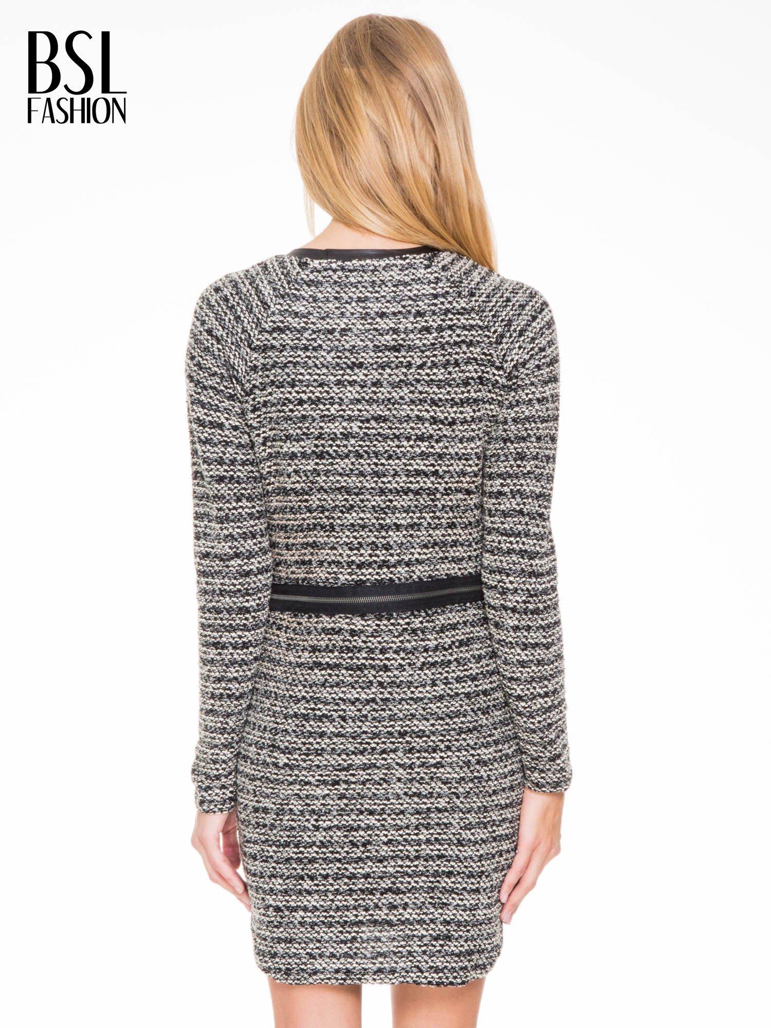 Czarna tweedowa sukienka w stylu Chanel                                  zdj.                                  4