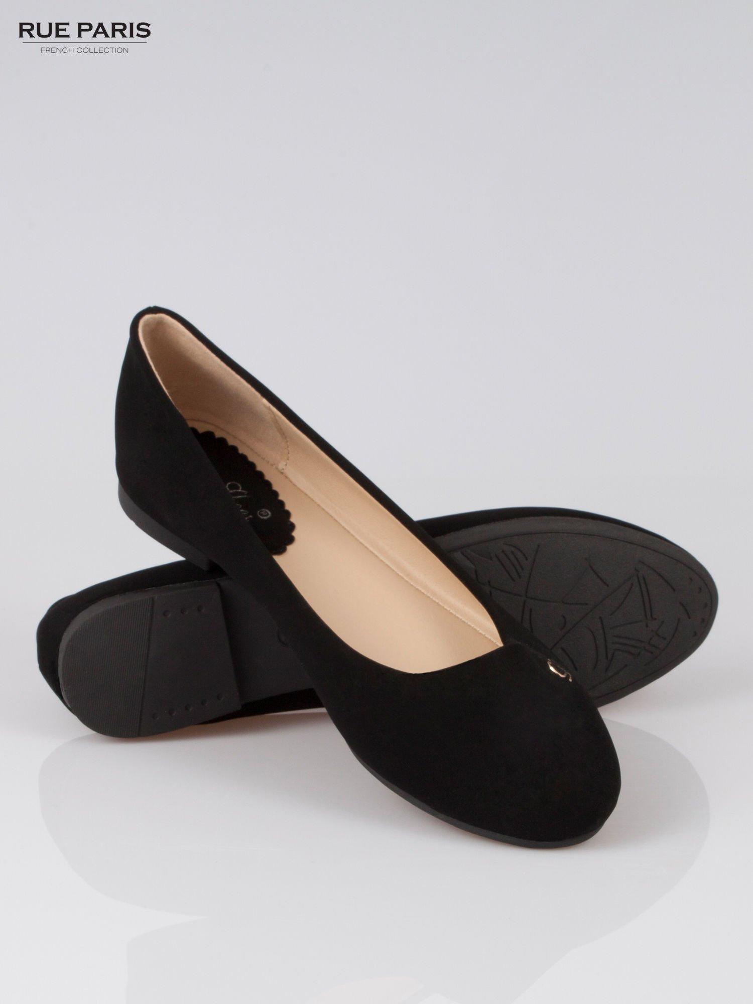 Czarne baleriny faux leather Honey ze złotym logo                                  zdj.                                  4