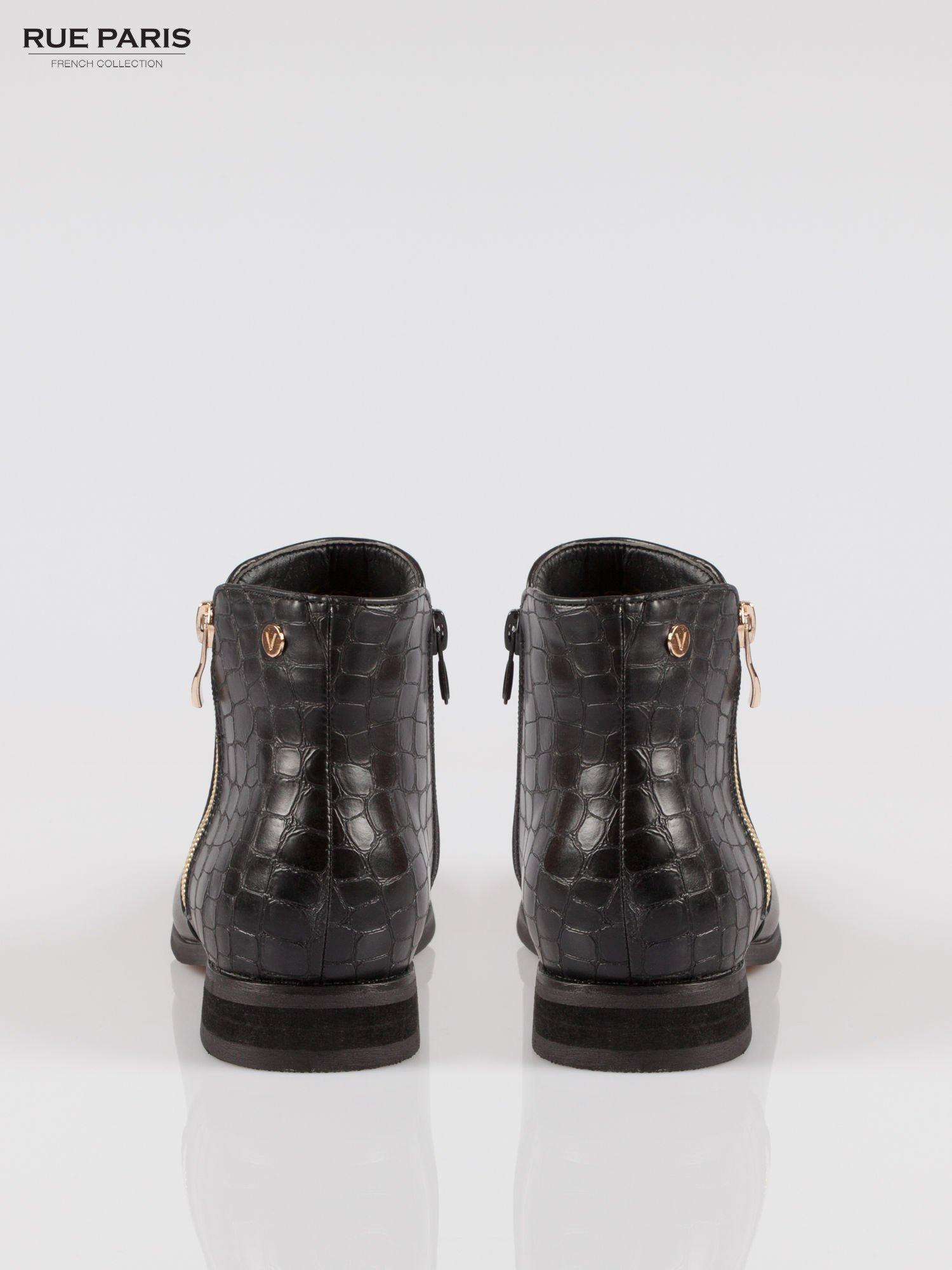Czarne botki ze złotym zamkiem i tyłem z efektem skóry krokodyla                                  zdj.                                  3