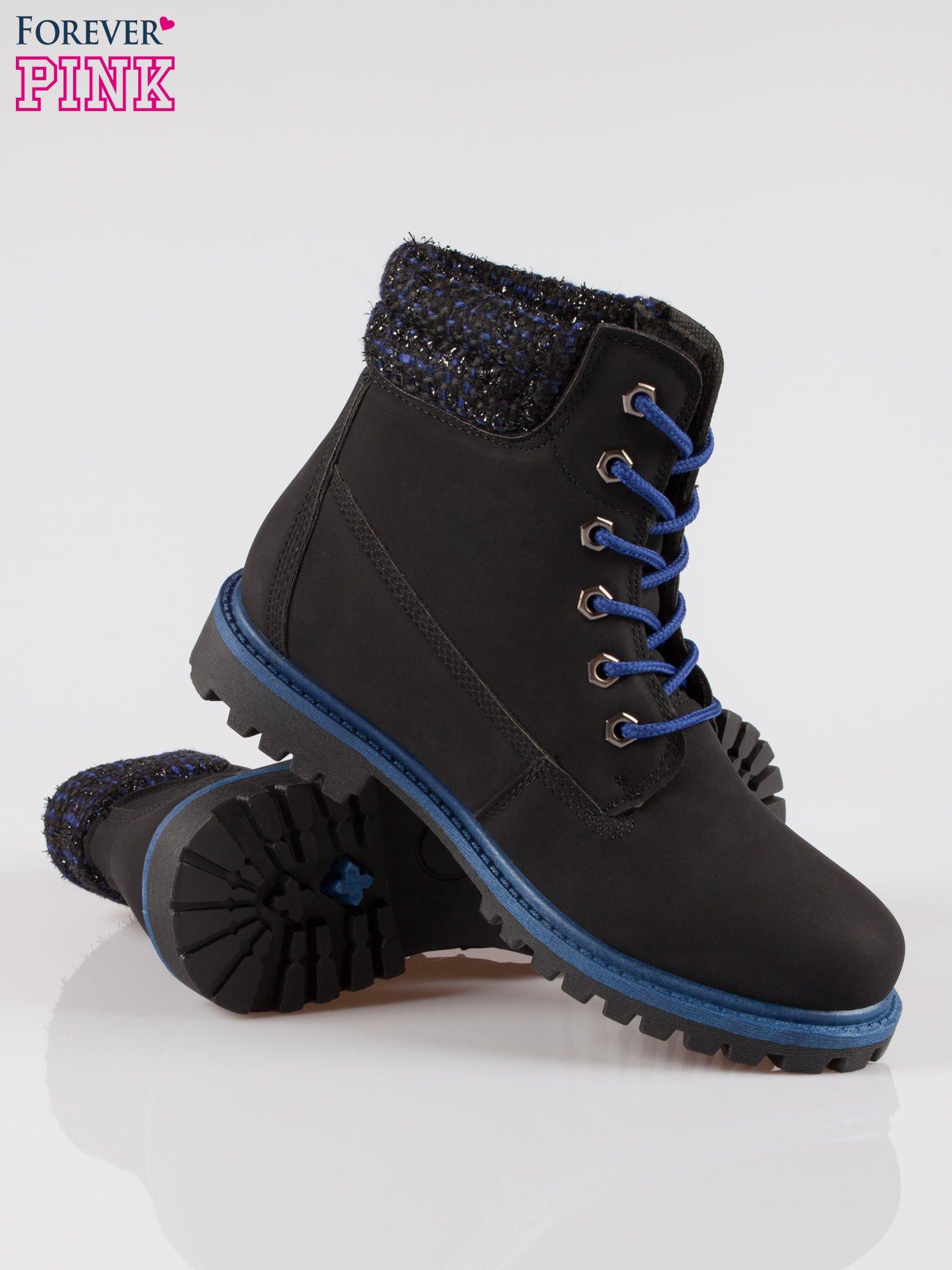 Czarne buty trekkingowe traperki z ozdobnym kołnierzem                                  zdj.                                  4