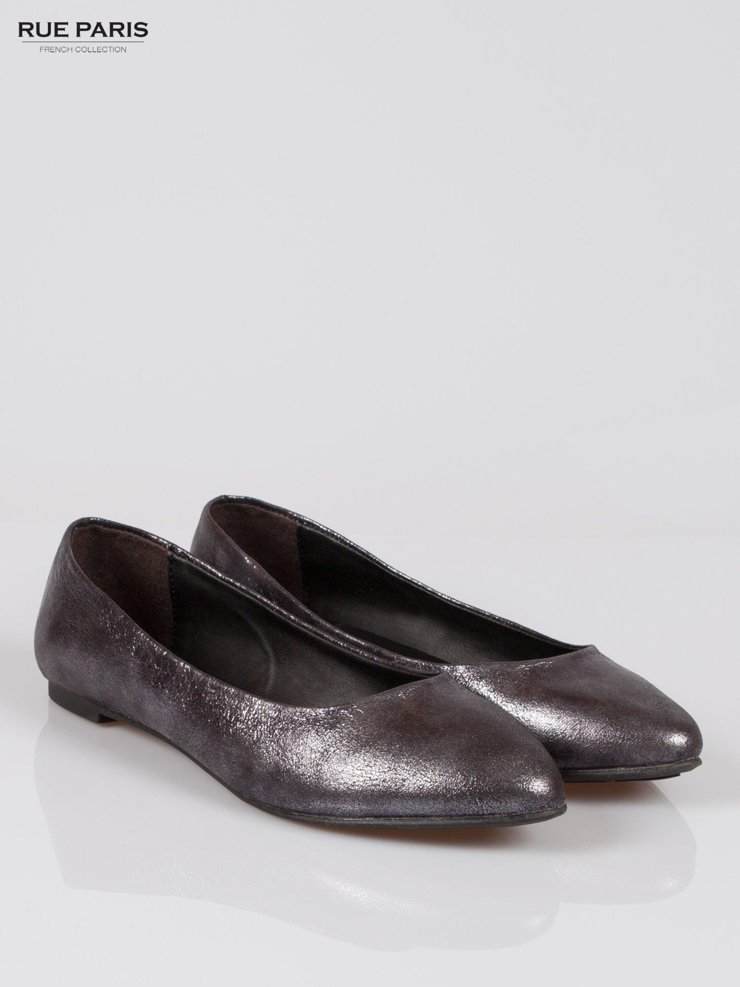 Czarne cieniowane baleriny faux leather ze smukłym noskiem                                  zdj.                                  2
