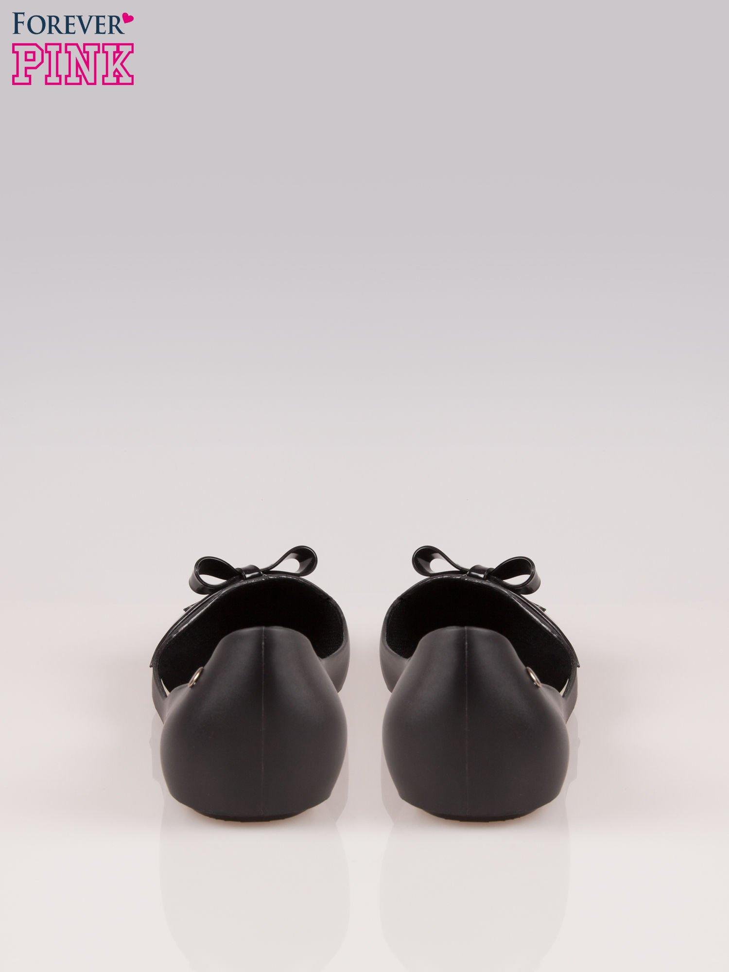 Czarne gumowe baleriny z kokardką                                  zdj.                                  3