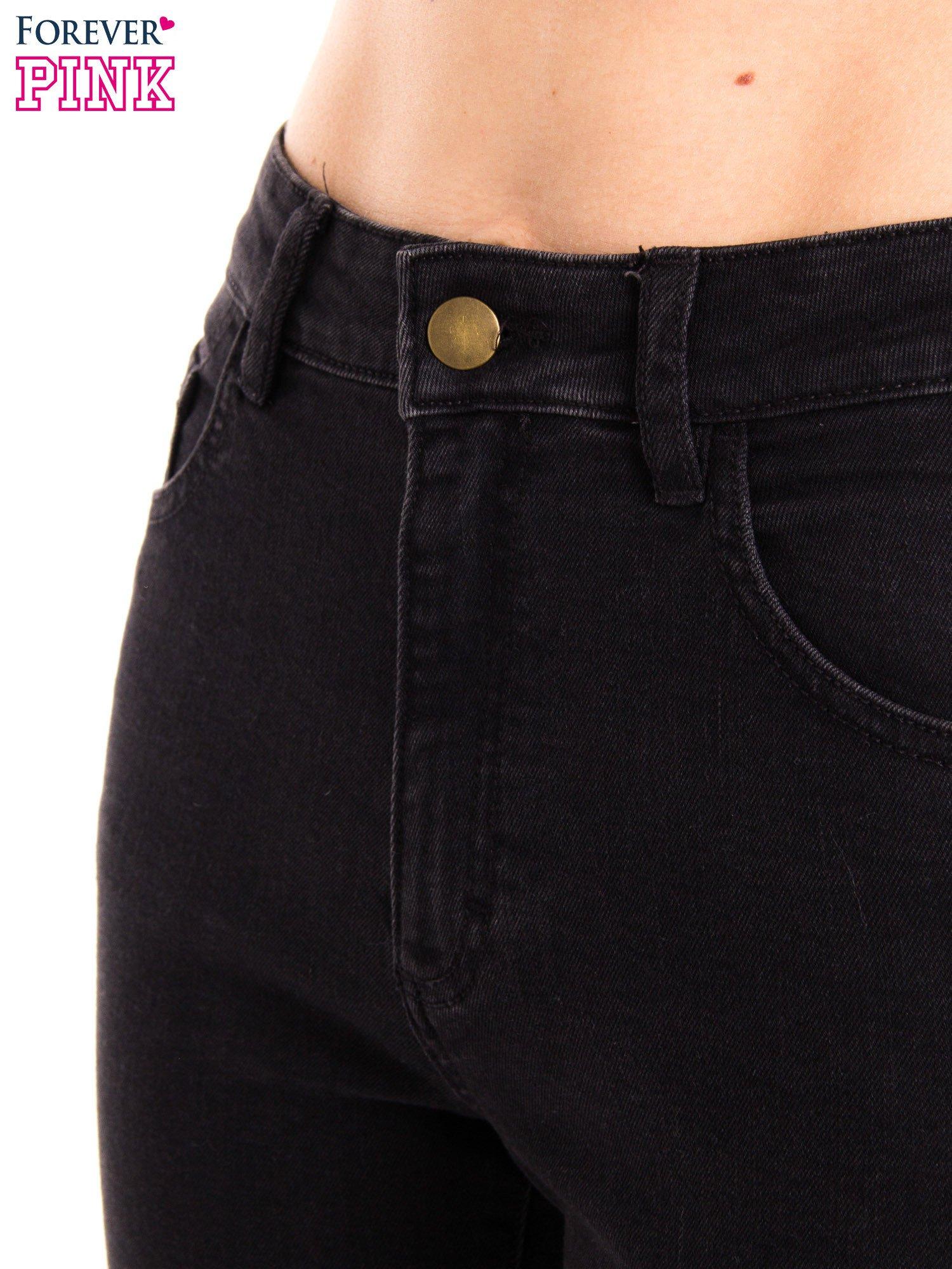 Czarne jeansy rurki z wysokim stanem                                  zdj.                                  8