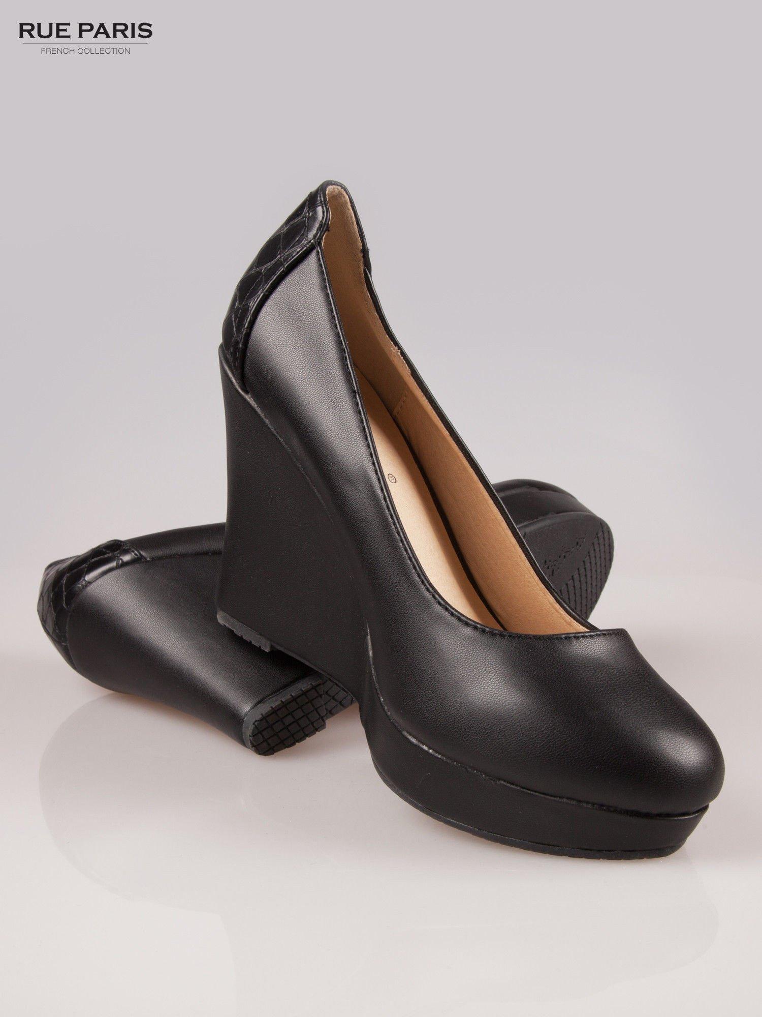 Czarne koturny faux leather Good Luck z ozdobnym tyłem ze skóry krokodyla                                  zdj.                                  4