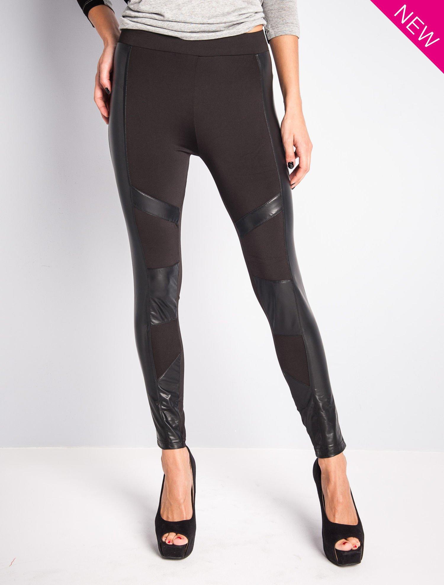 Czarne legginsy ze skórzanymi przeszyciami                                  zdj.                                  1