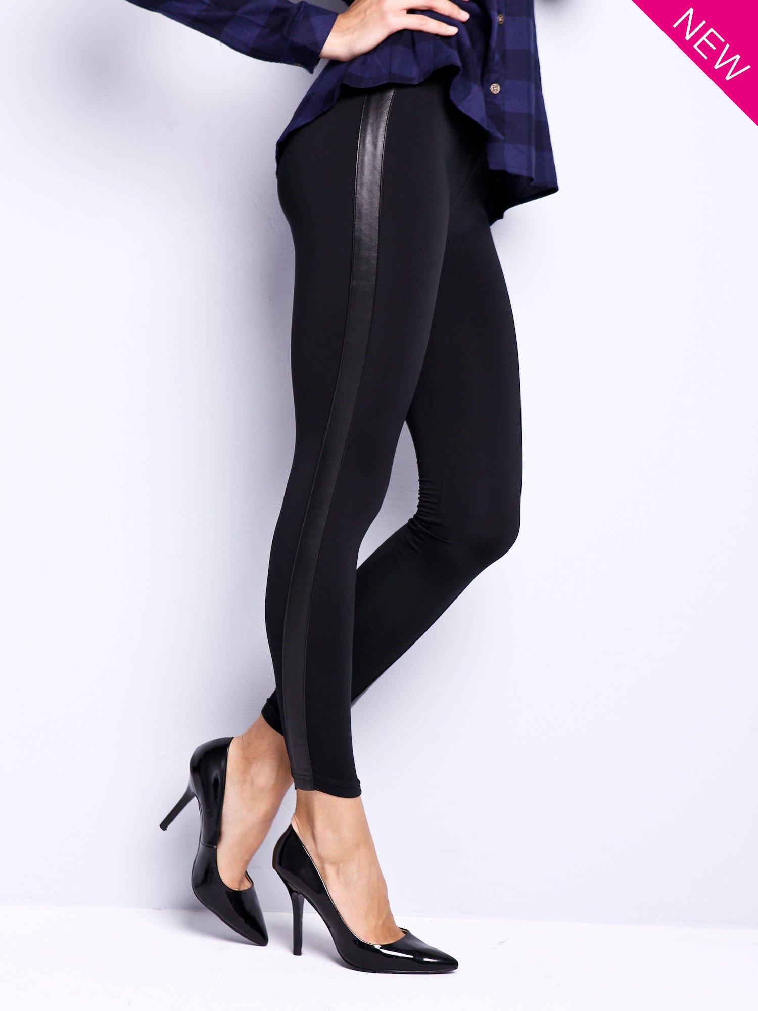 Czarne legginsy ze skórzanymi wstawkami                                  zdj.                                  2