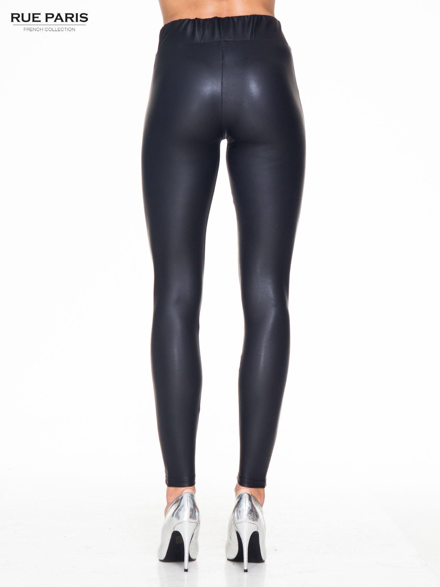 Czarne modelujące skórzane legginsy                                  zdj.                                  4