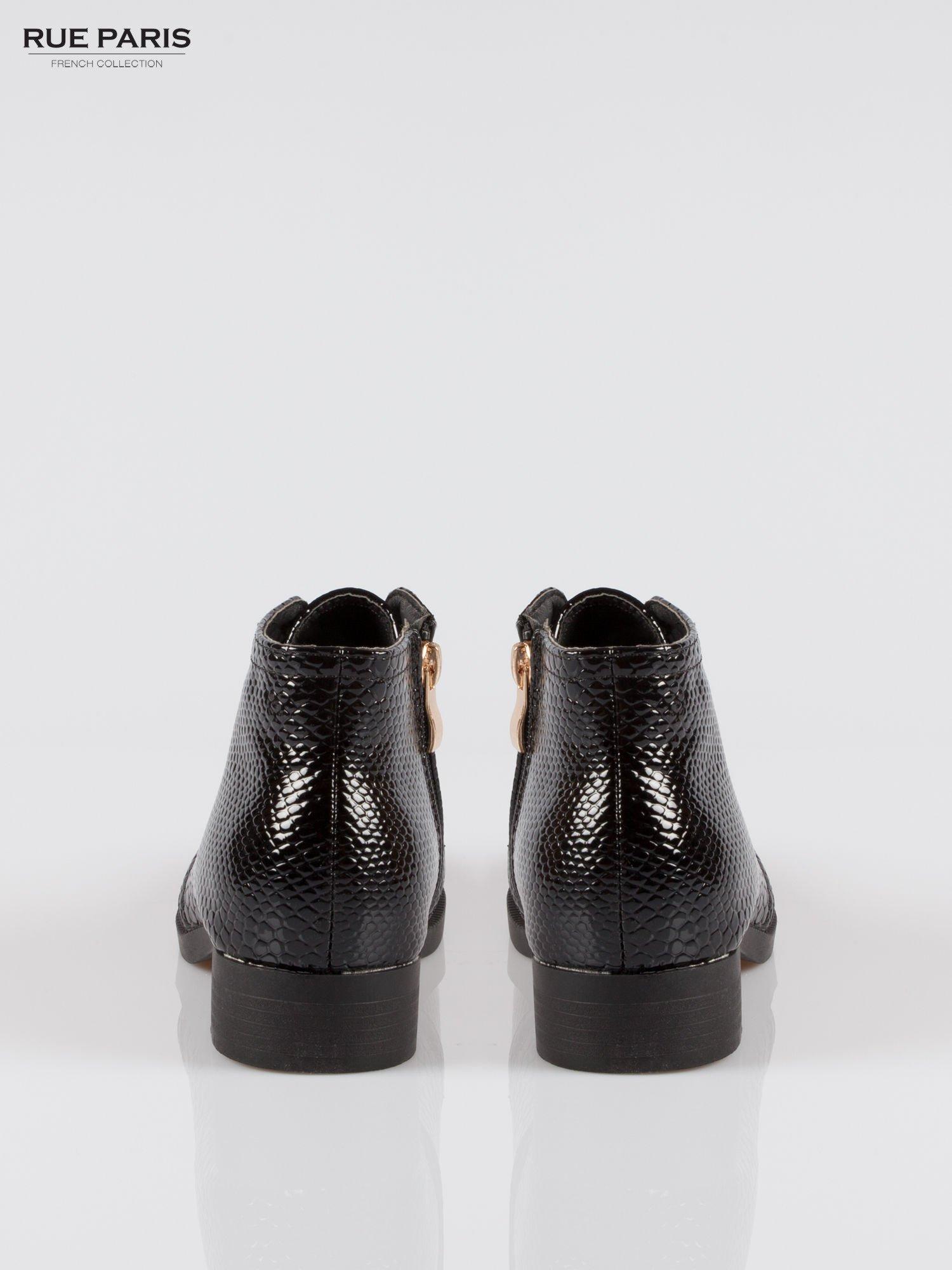 Czarne niskie botki crocodile skin z gumą                                  zdj.                                  3