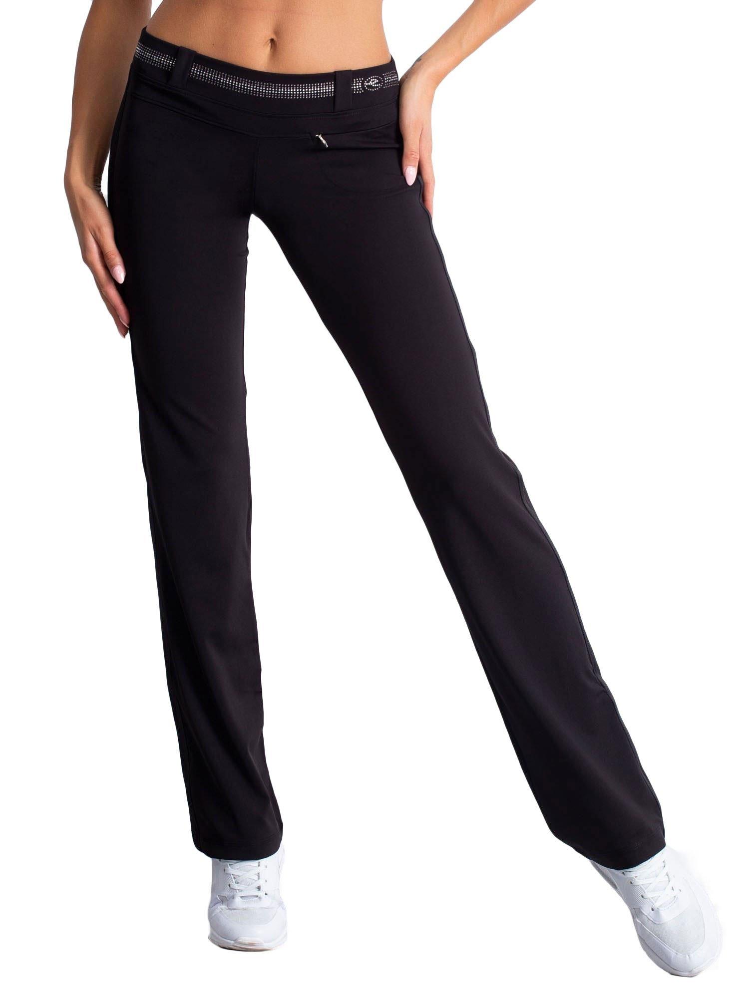 Czarne spodnie dresowe z aplikacją z dżetów                                  zdj.                                  5