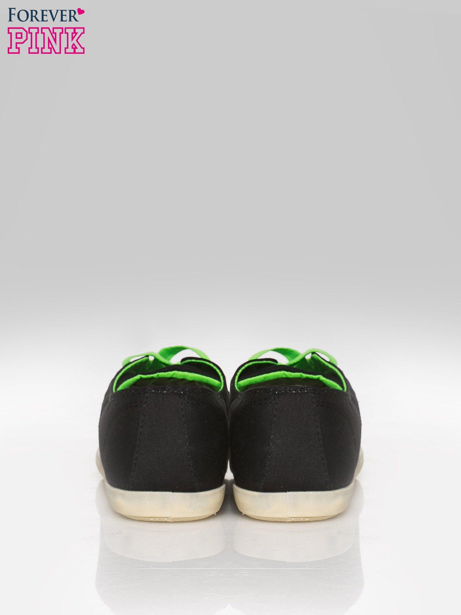 Czarne tenisówki damskie z zielonymi sznurówkami + GRATIS BIAŁE SZNUROWADŁA                                  zdj.                                  3