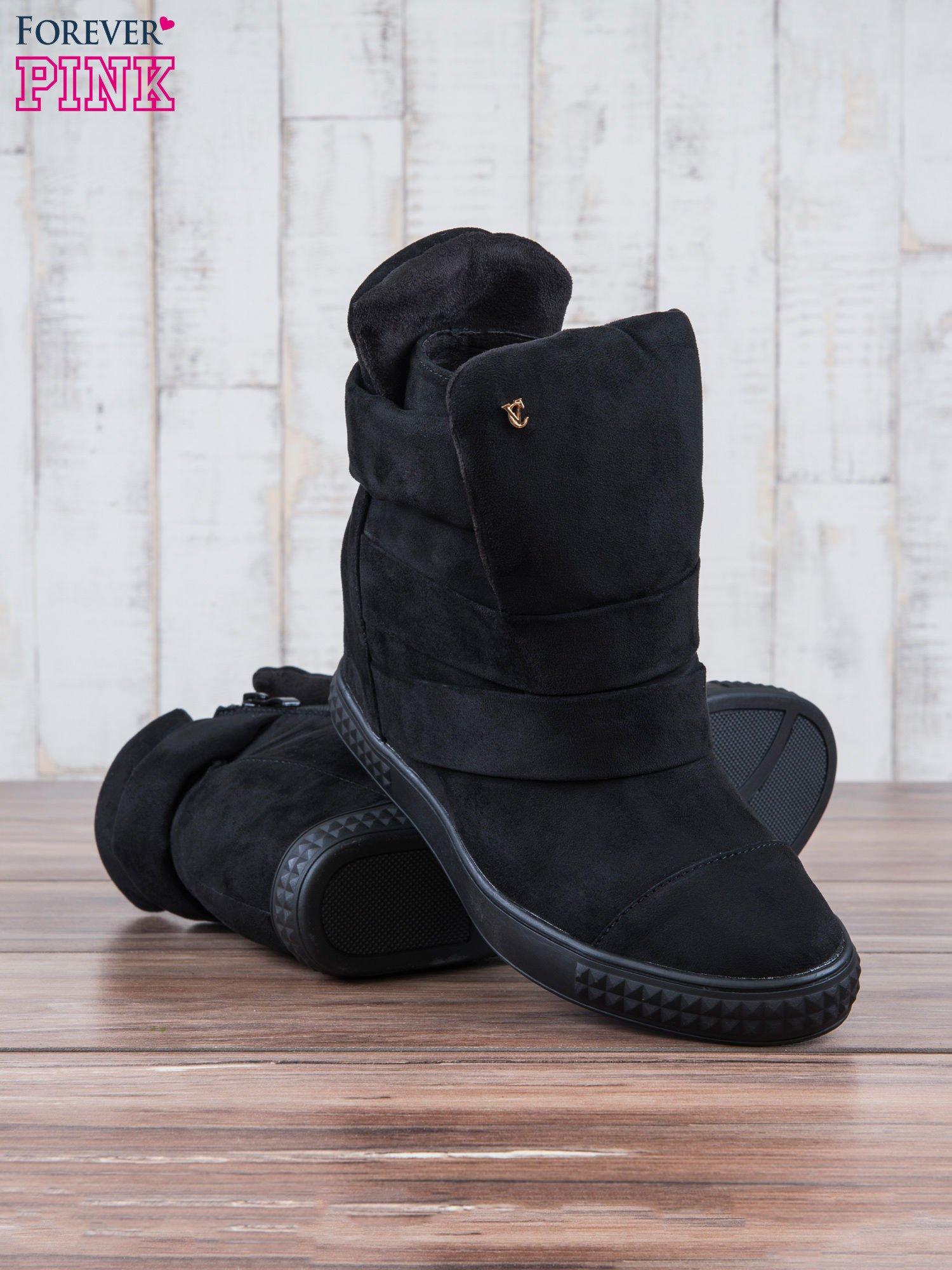 Czarne zamszowe sneakersy bandage                                  zdj.                                  4