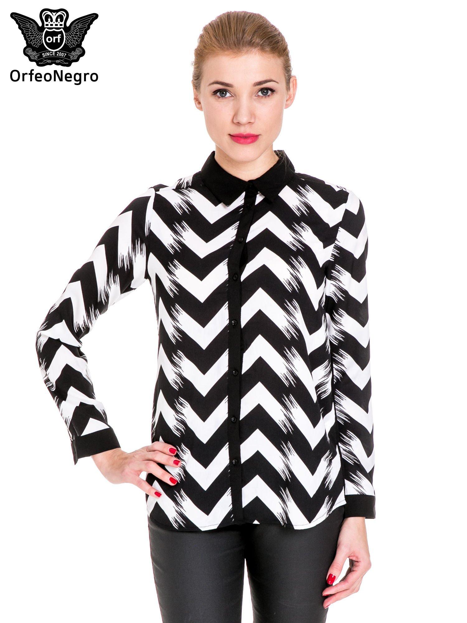 Czarno-biała koszula w geometryczny wzór                                  zdj.                                  1