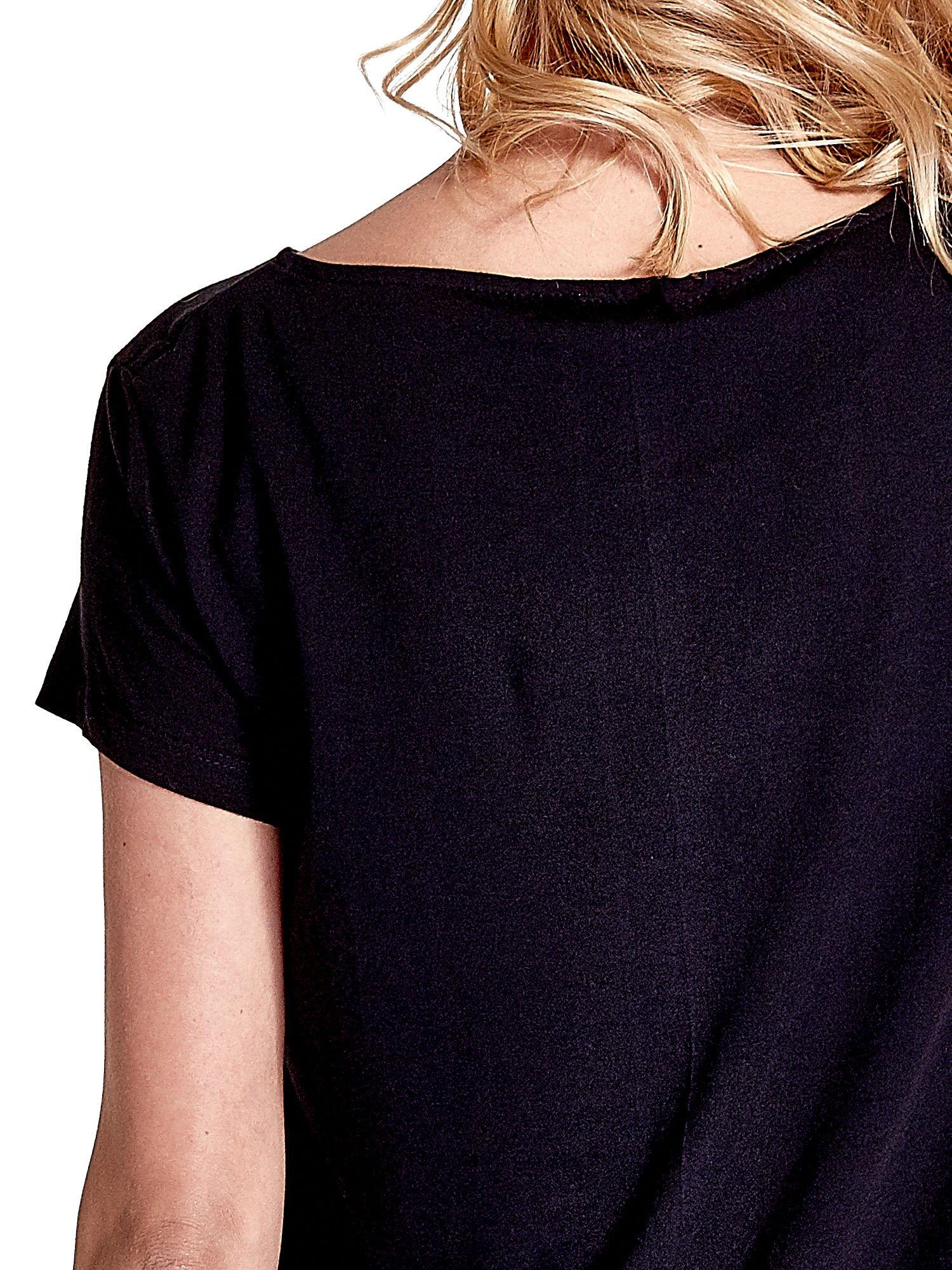 Czarny asymetryczny t-shirt                                  zdj.                                  6