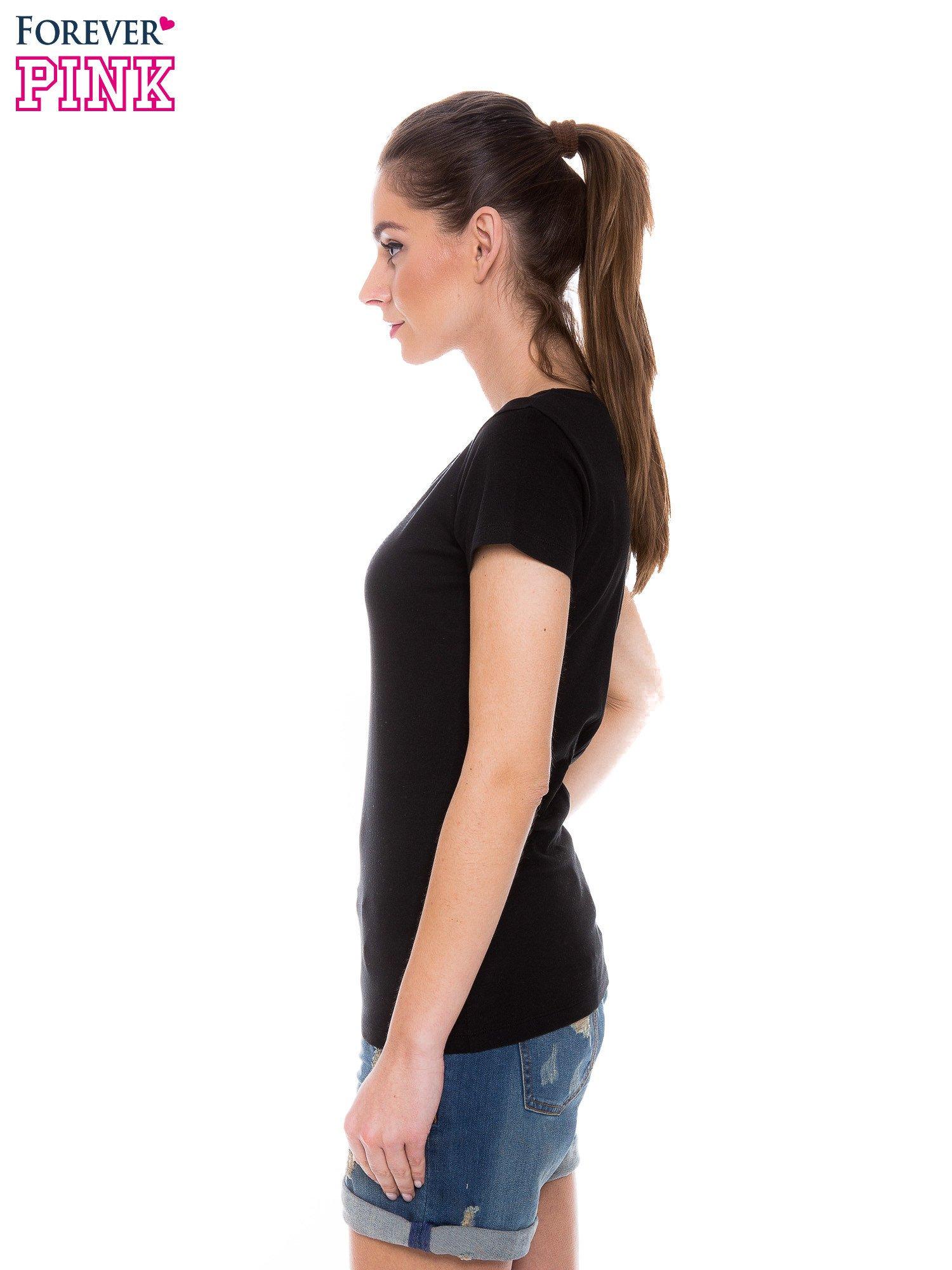 Czarny basicowy t-shirt z okrągłym dekoltem                                  zdj.                                  2