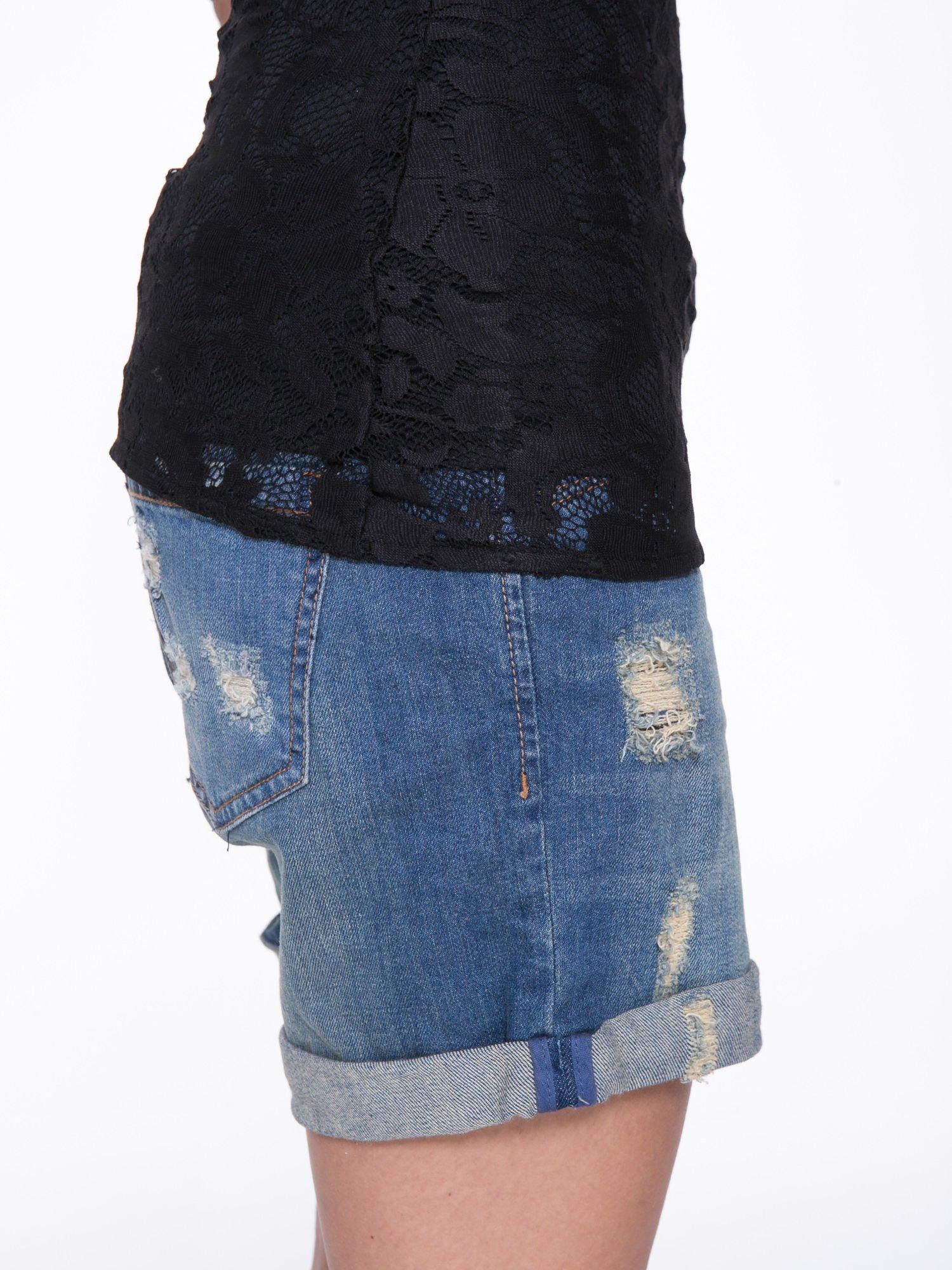 Czarny koronkowy t-shirt z głębokim dekoltem                                  zdj.                                  8